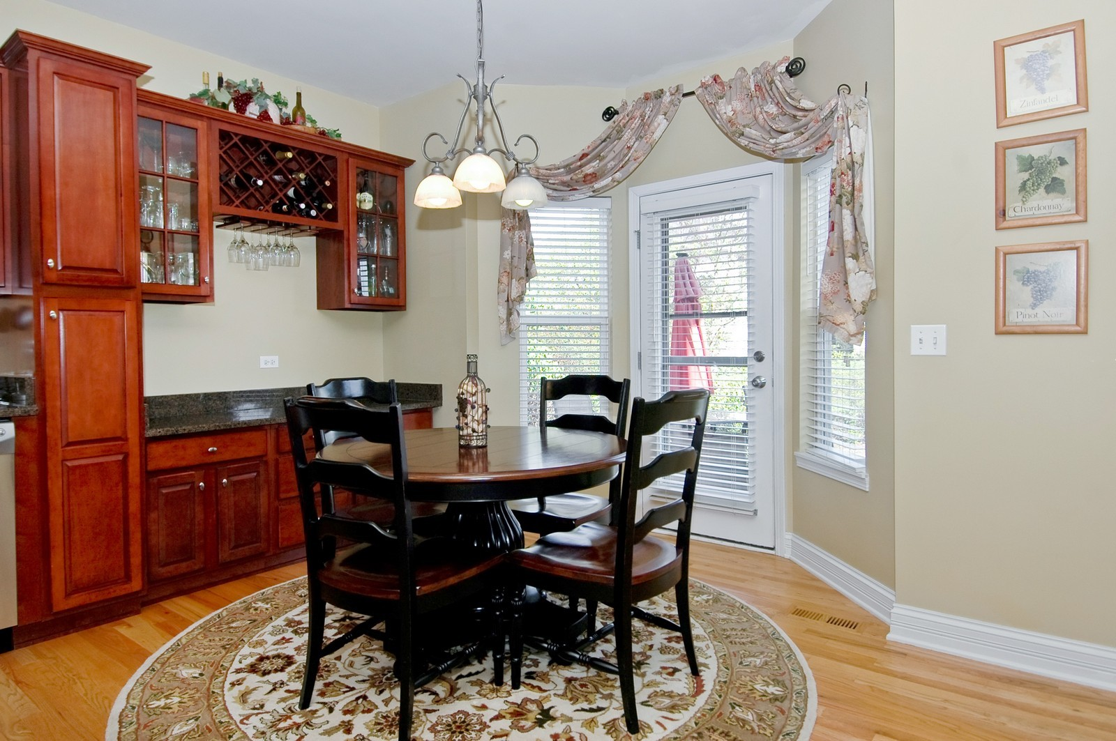 Real Estate Photography - 835 Chasewood Dr, South Elgin, IL, 60177 - Kitchen Eat in Area