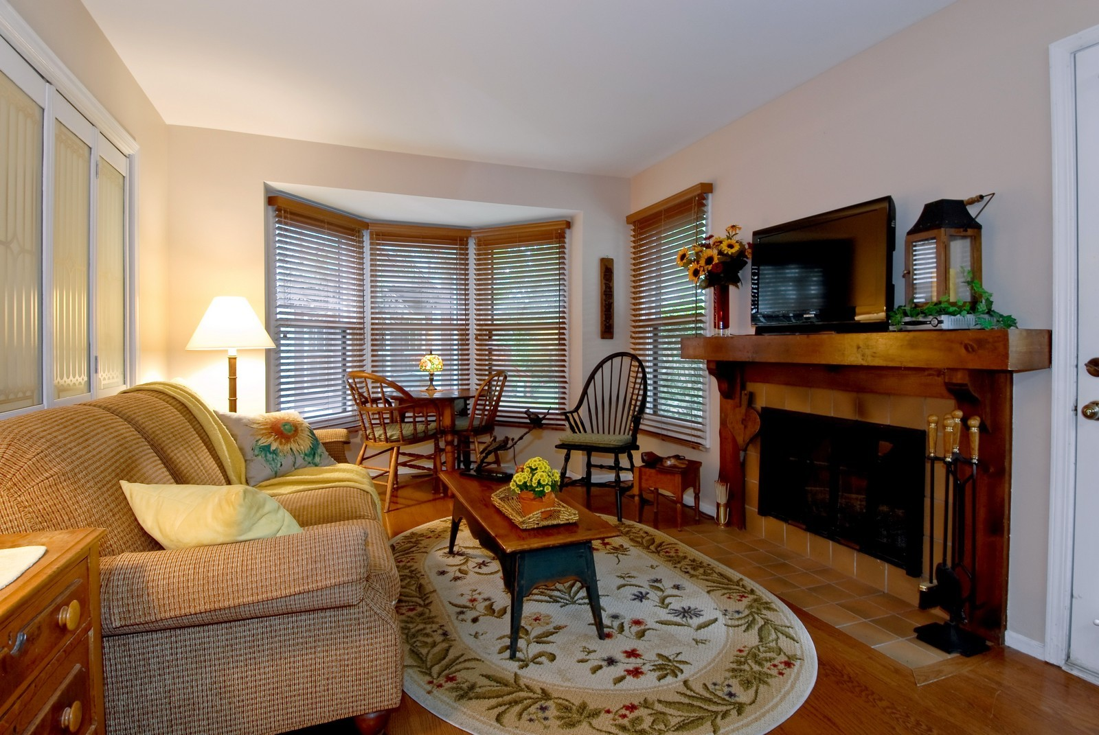 Real Estate Photography - 55 White Oak Cir, St Charles, IL, 60174 - Family Room