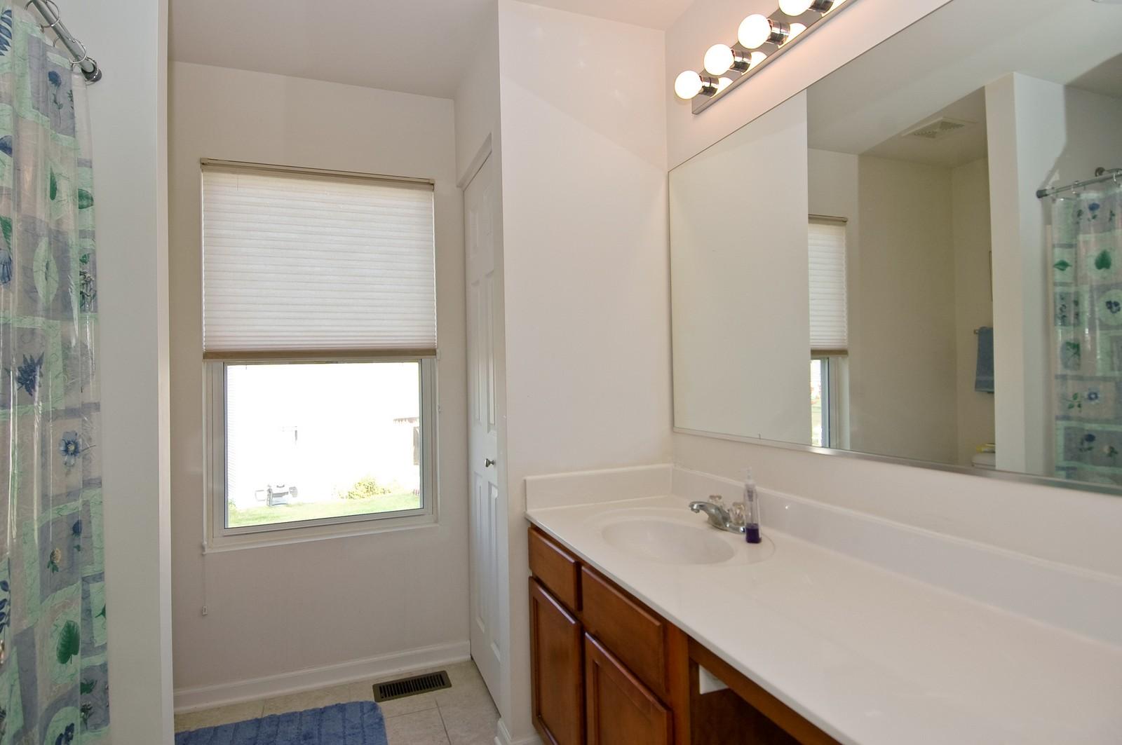 Real Estate Photography - 1872 Yasgur Dr, Woodstock, IL, 60098 - Master Bathroom