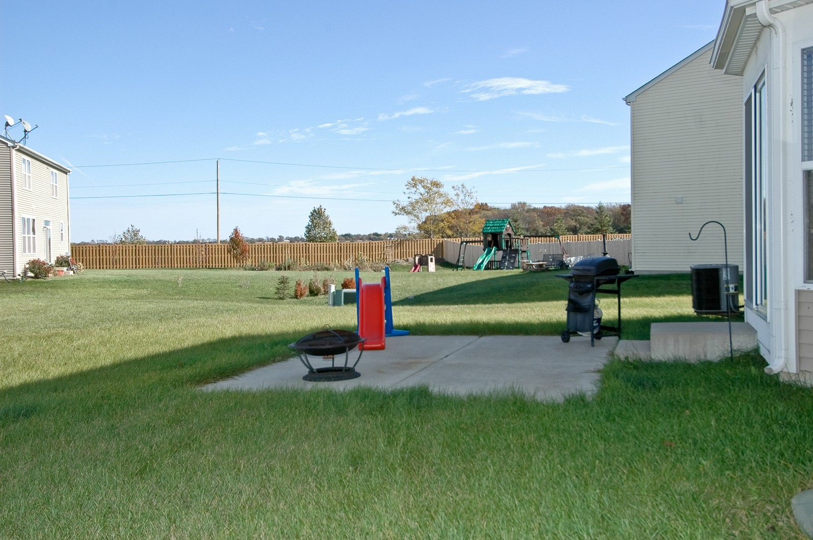 Real Estate Photography - 1872 Yasgur Dr, Woodstock, IL, 60098 - Back Yard