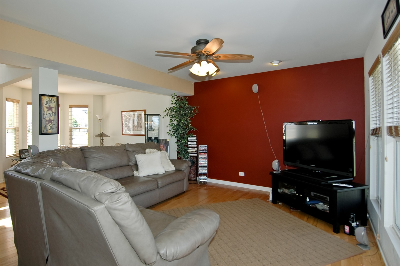 Real Estate Photography - 1872 Yasgur Dr, Woodstock, IL, 60098 - Family Room