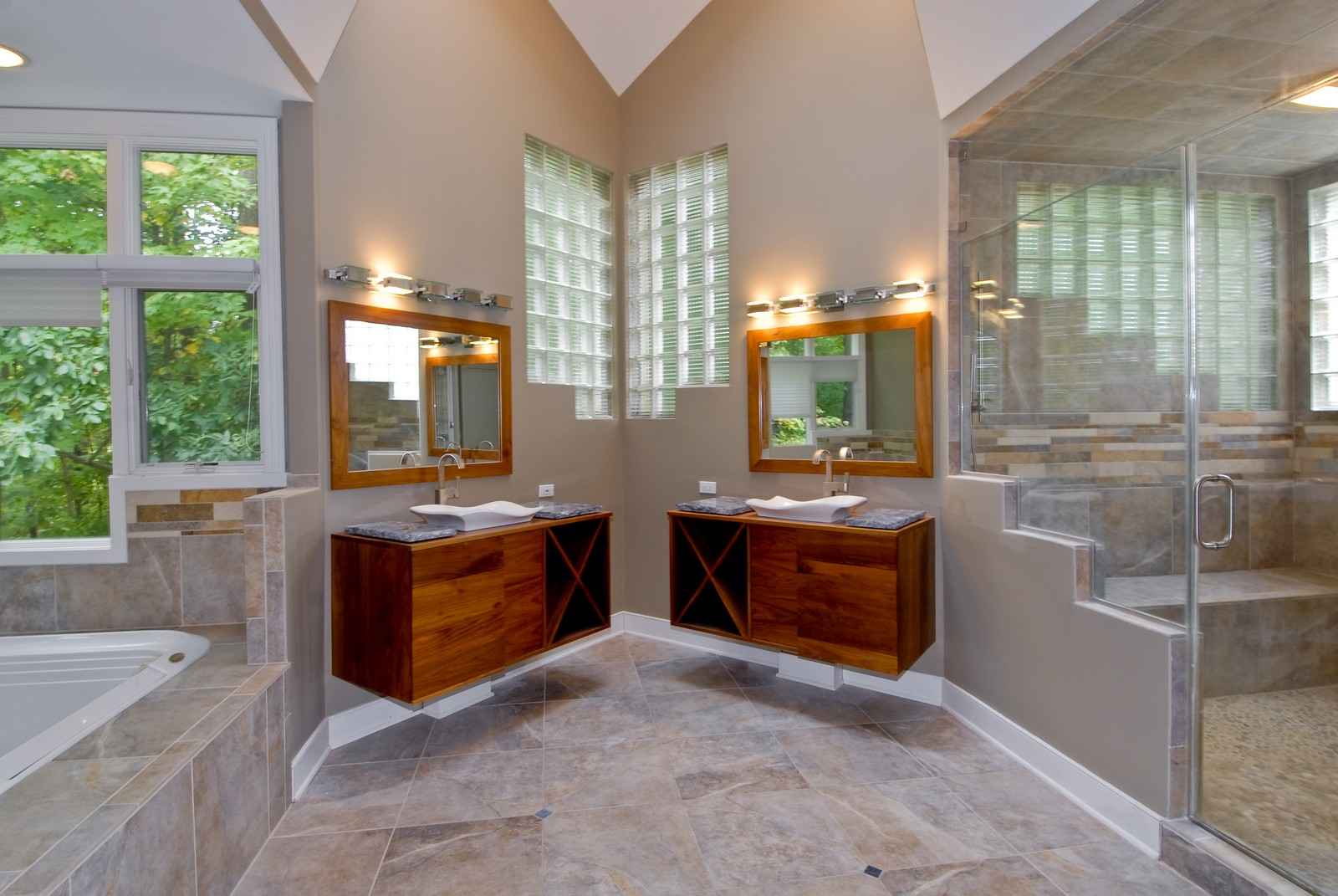 Real Estate Photography - 36W705 Stoneleat Rd, St Charles, IL, 60175 - Master Bathroom
