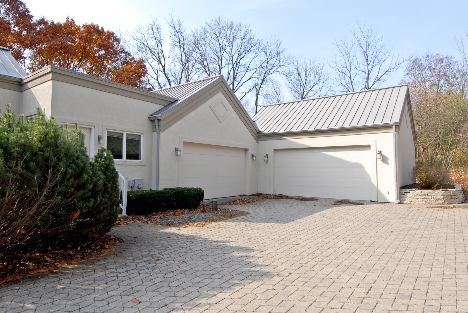 Real Estate Photography - 36W705 Stoneleat Rd, St Charles, IL, 60175 - Garage