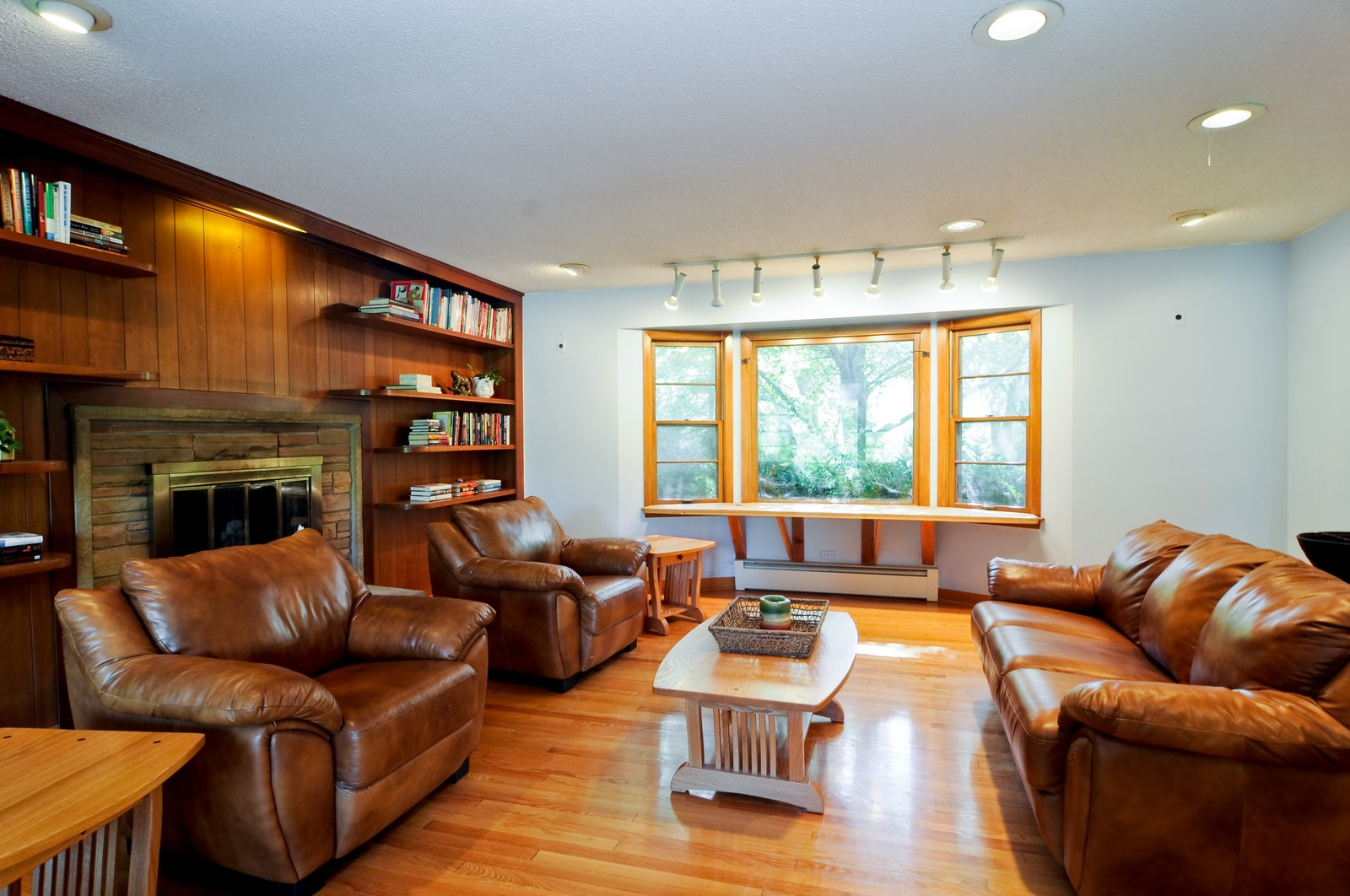 Real Estate Photography - 3148 Cuba Rd, Long Grove, IL, 60047 - Living Room
