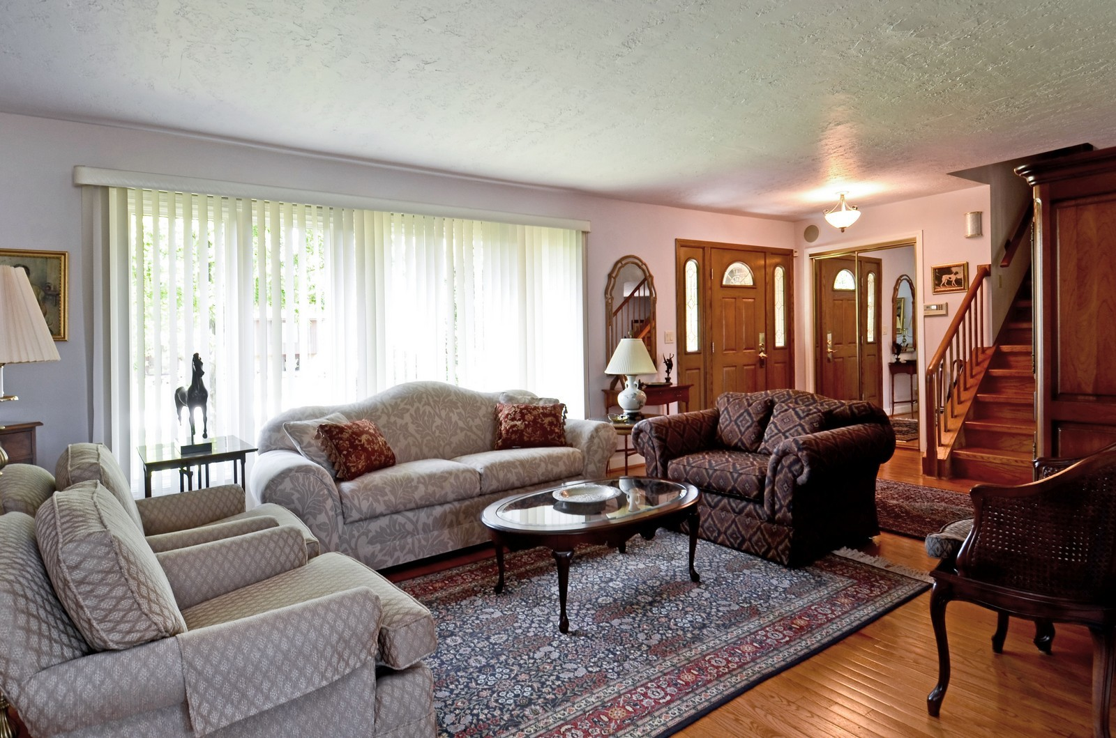 Real Estate Photography - 367 S Edgewood, Wood Dale, IL, 60191 - Living Room