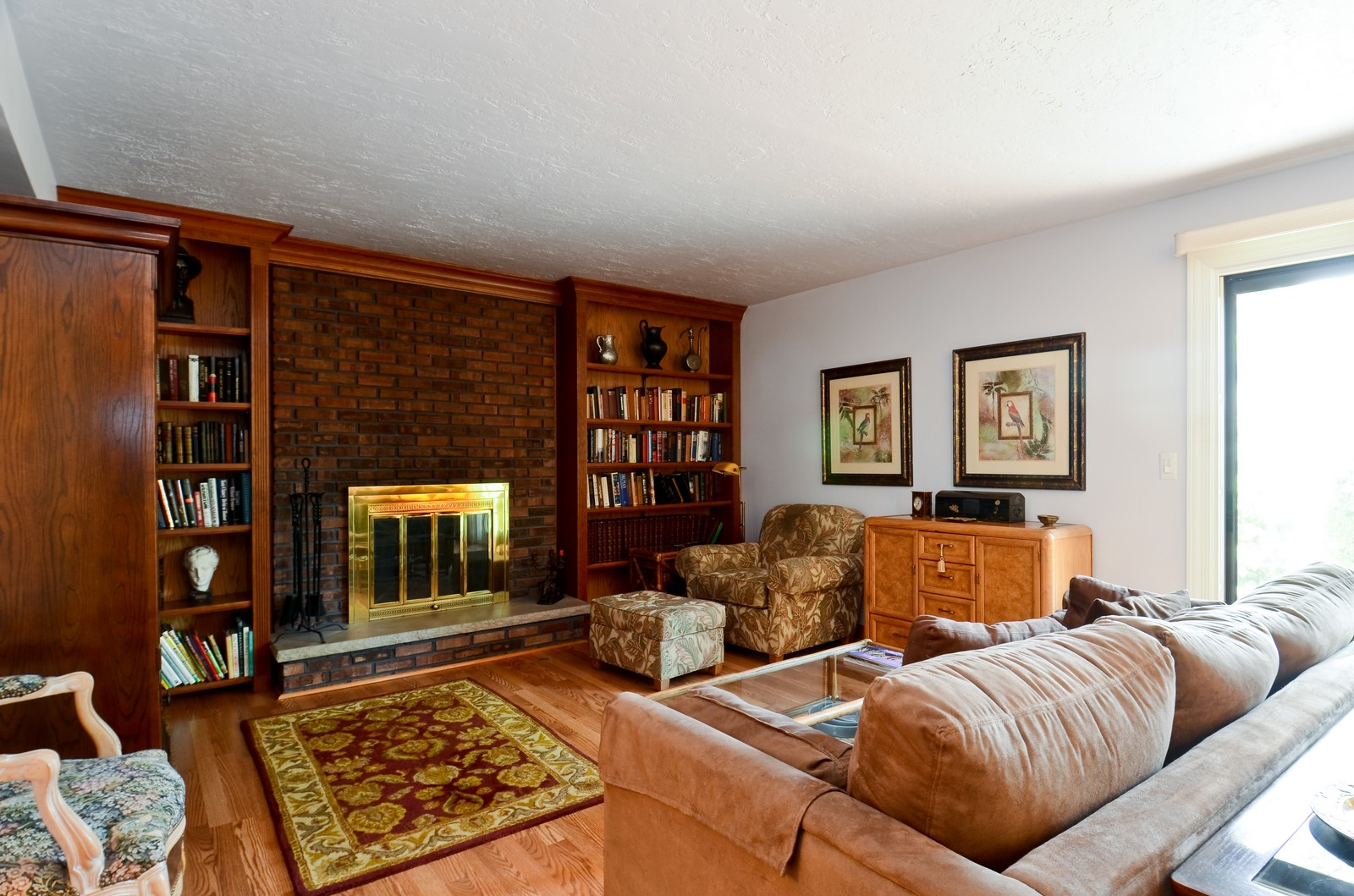 Real Estate Photography - 367 S Edgewood, Wood Dale, IL, 60191 - Family Room