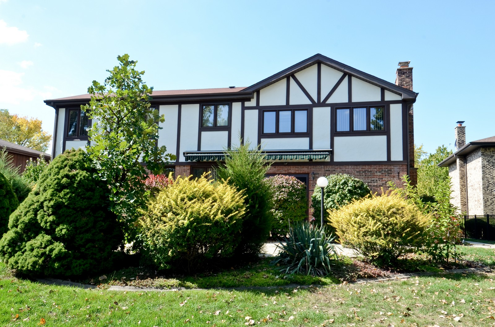 Real Estate Photography - 367 S Edgewood, Wood Dale, IL, 60191 - Rear View