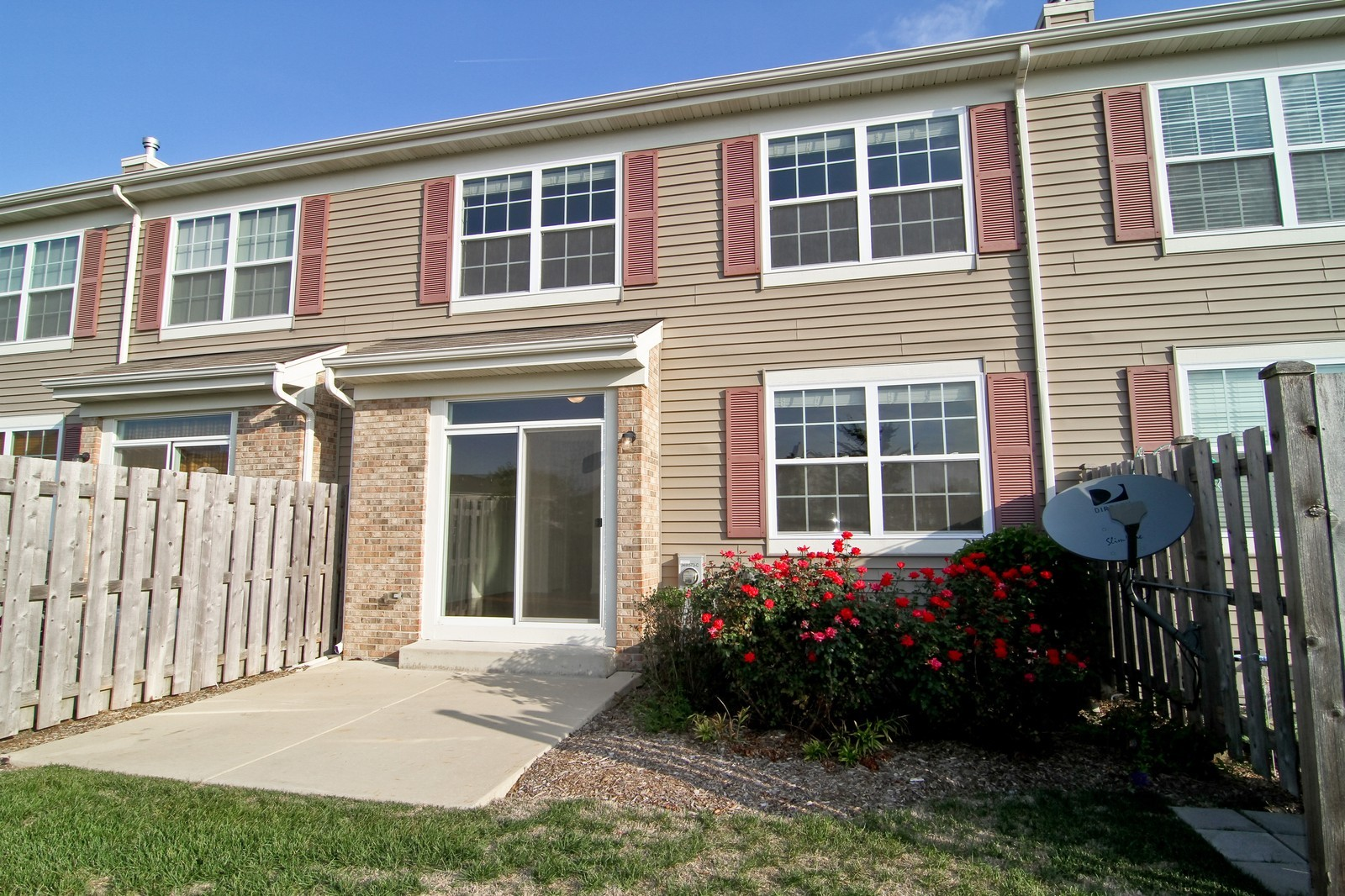 Real Estate Photography - 34W573 W Roosevelt Ave, Unit C, Saint Charles, IL, 60174 - Rear View