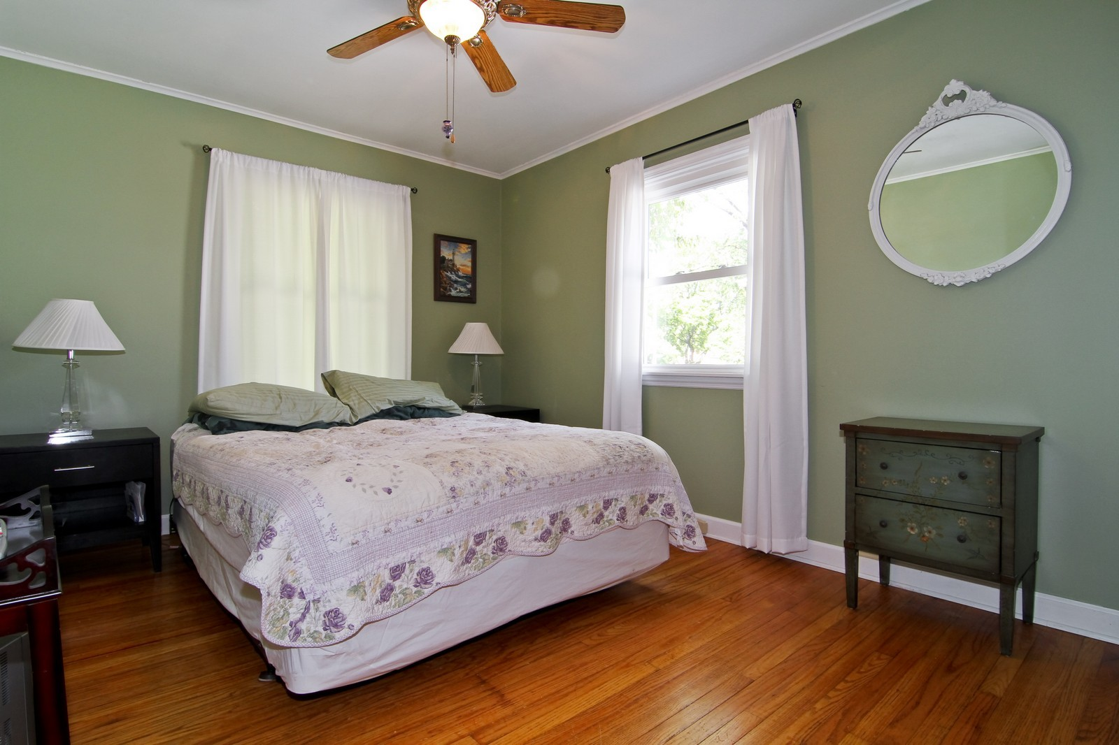Real Estate Photography - 105 S Piece Ave, Wheaton, IL, 60187 - 2nd Bedroom