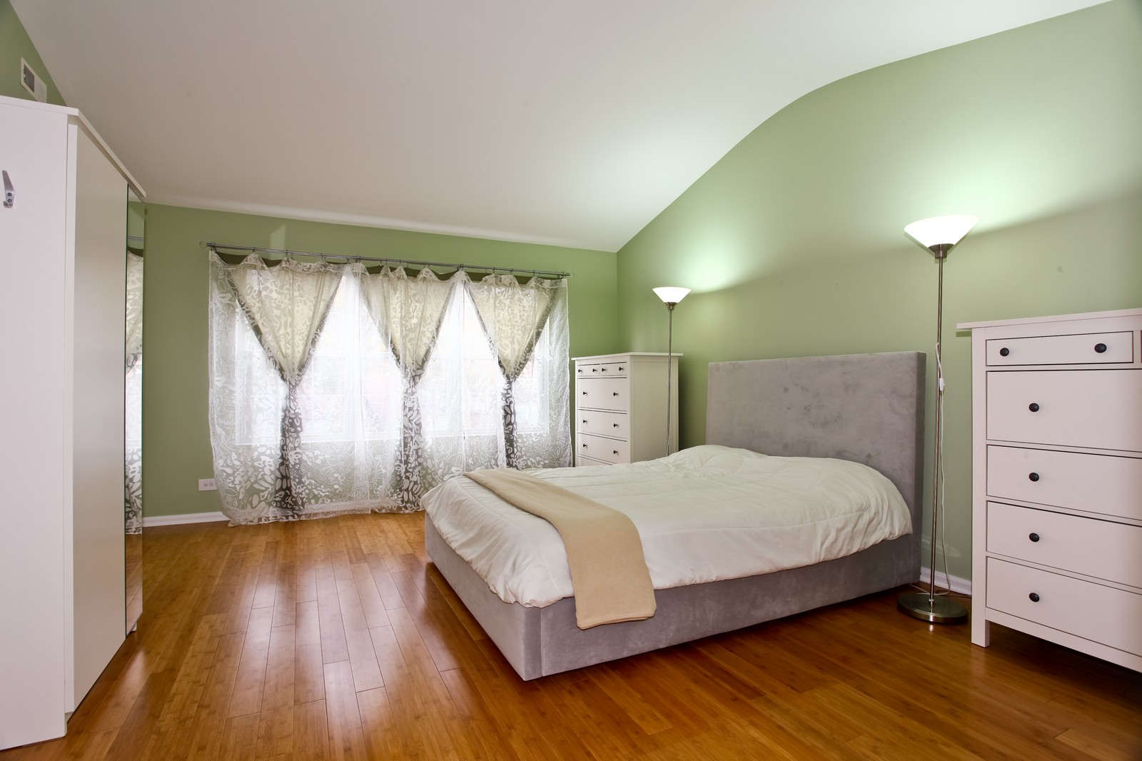 Real Estate Photography - 111 Oakton Dr, Lombard, IL, 60148 - Master Bedroom