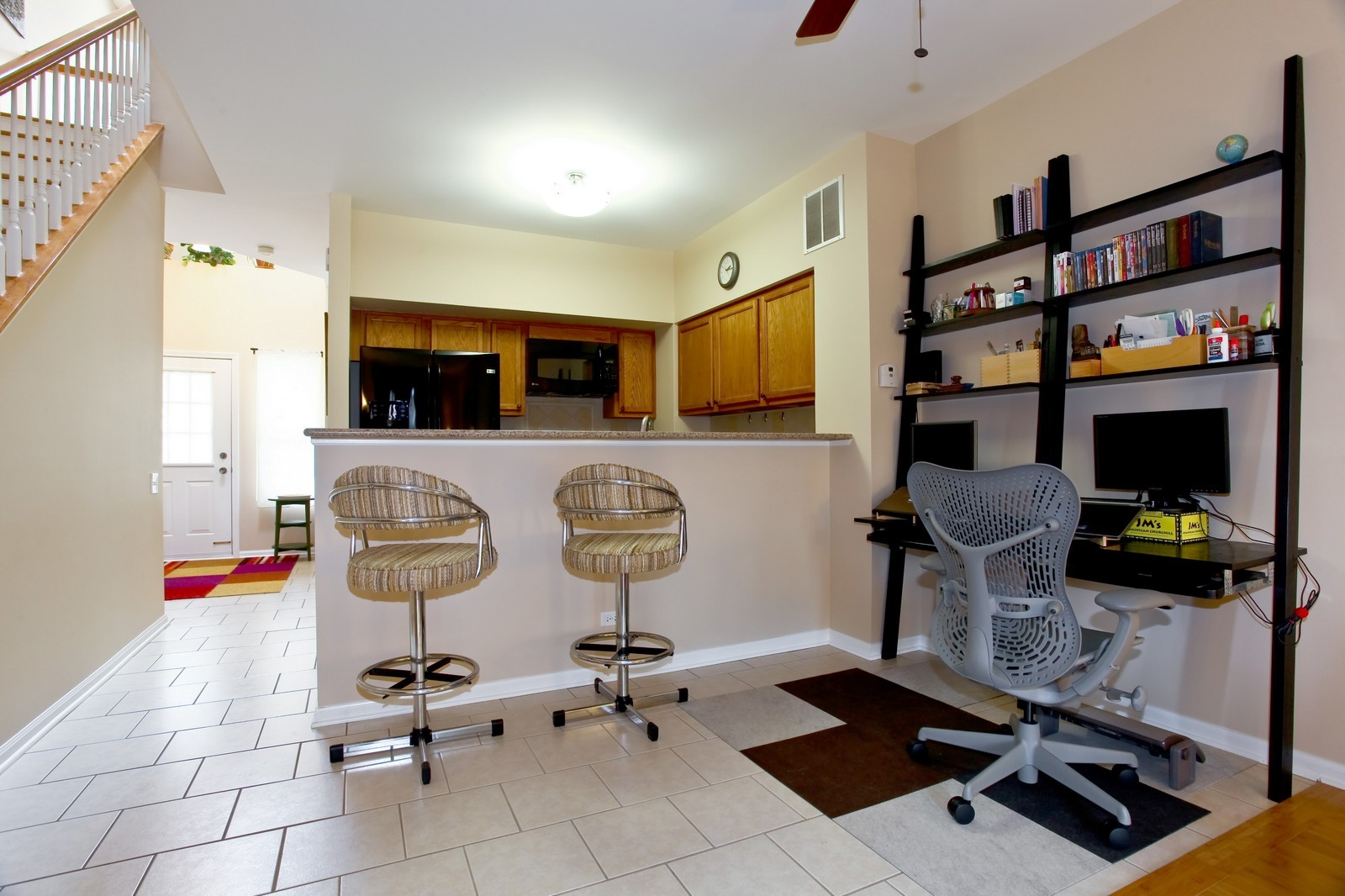 Real Estate Photography - 111 Oakton Dr, Lombard, IL, 60148 - Kitchen / Breakfast Room