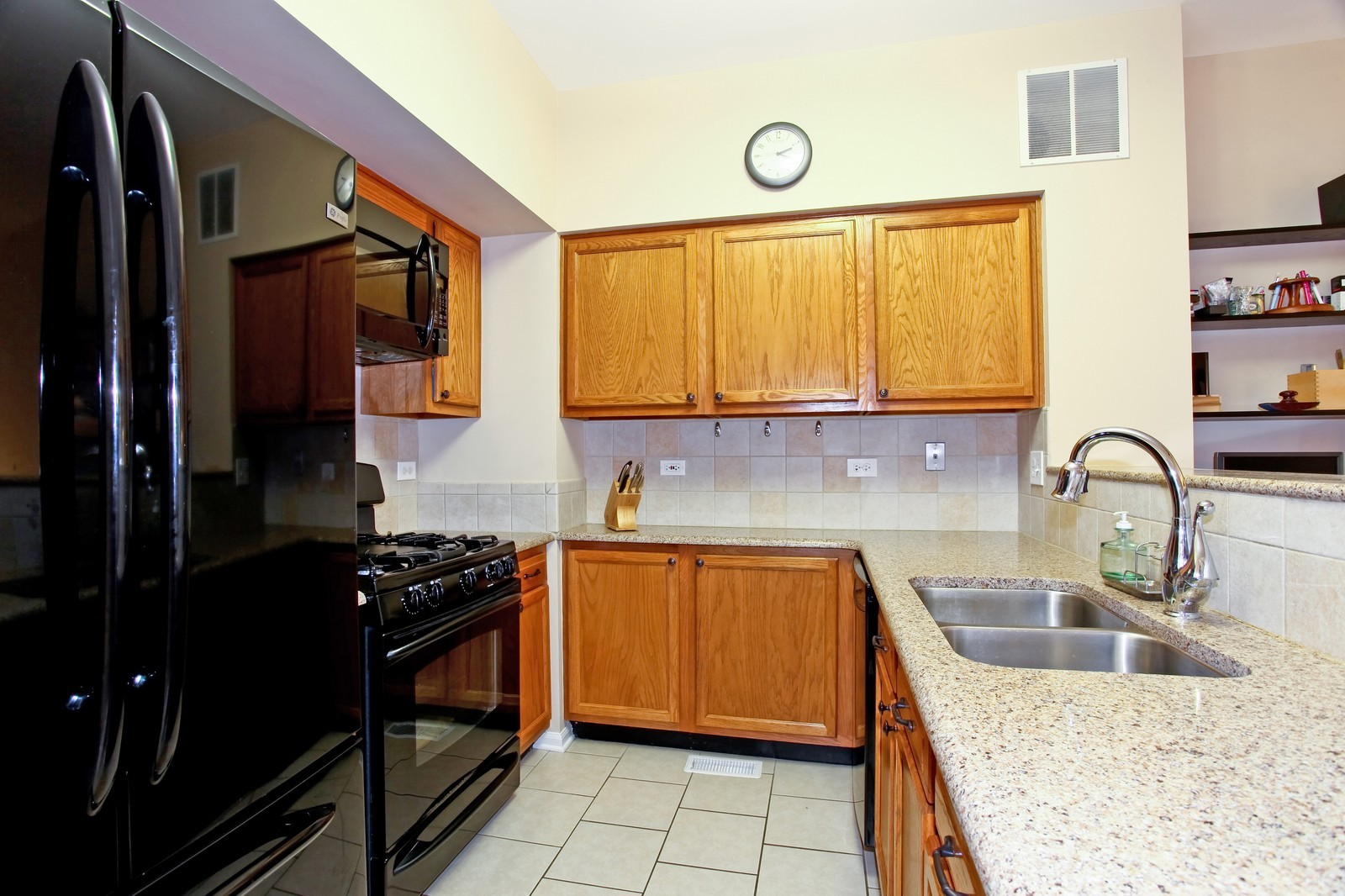 Real Estate Photography - 111 Oakton Dr, Lombard, IL, 60148 - Kitchen