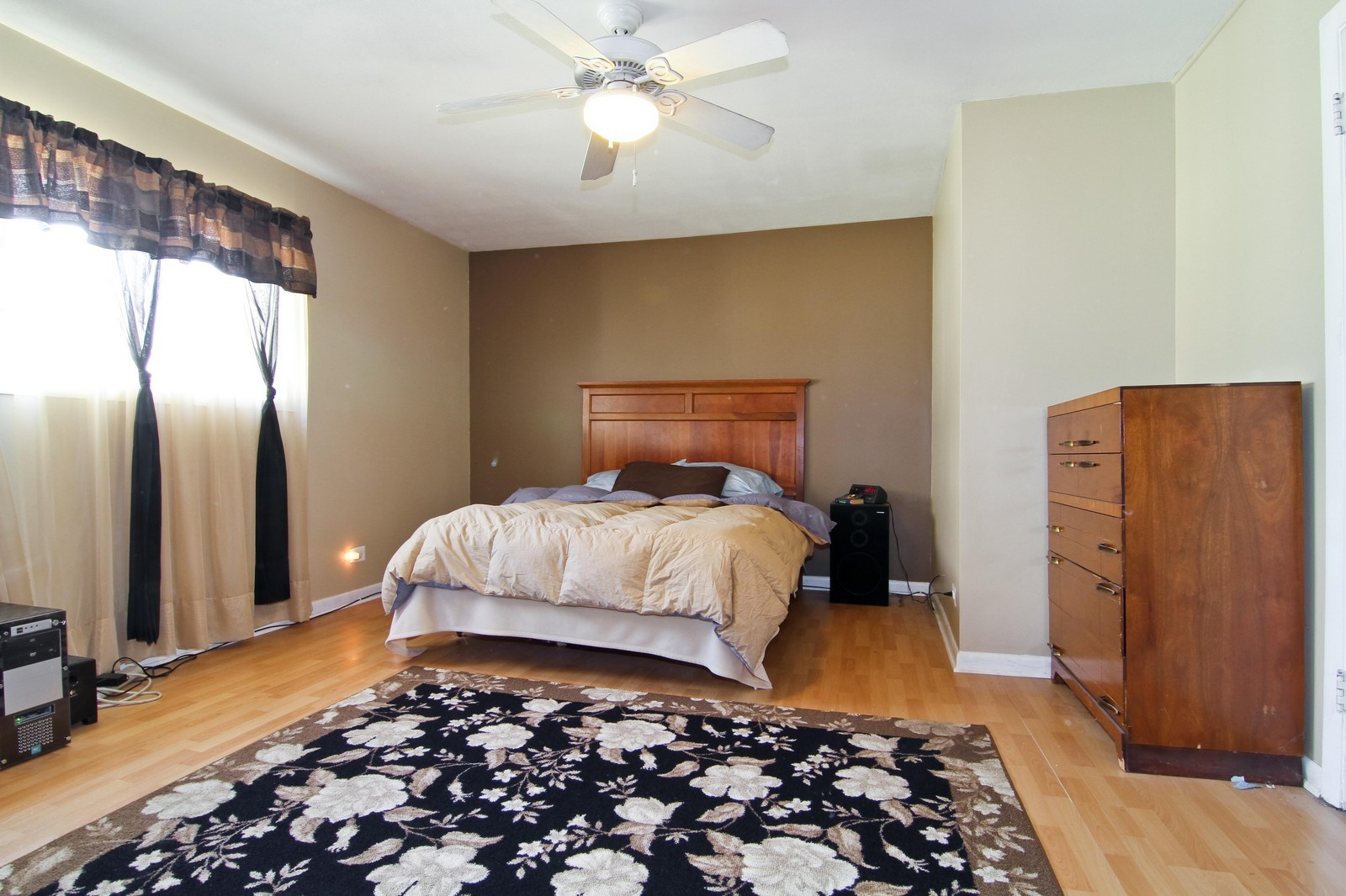 Real Estate Photography - 4930 Bryan Place, Downers Grove, IL, 60515 - Master Bedroom
