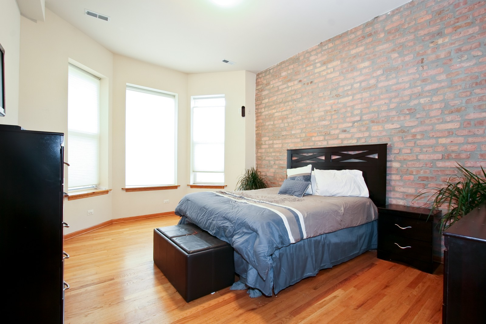 Real Estate Photography - 6415 S Minerva Ave, Unit 2NW, Chicago, IL, 60637 - Master Bedroom