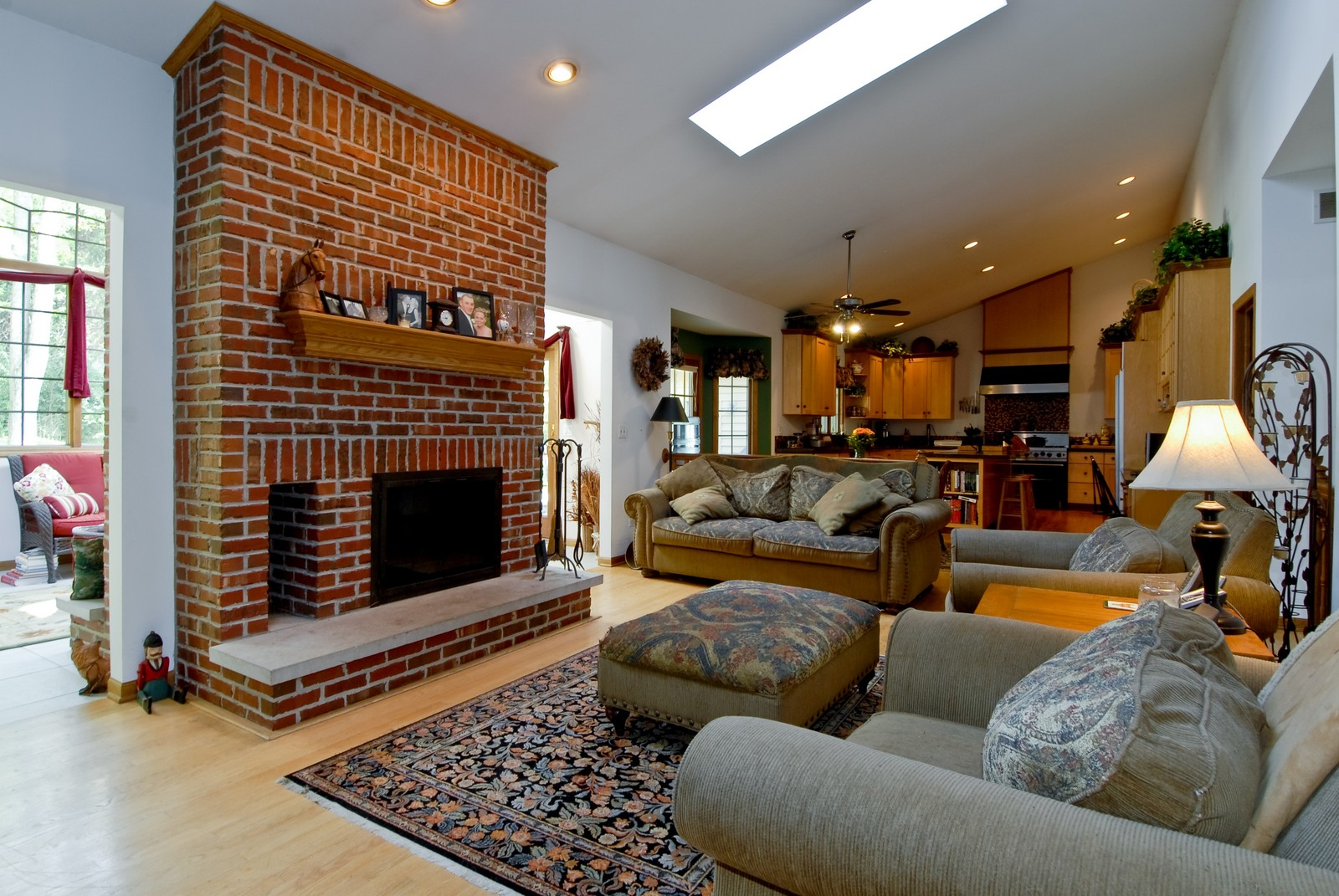 Real Estate Photography - 38W660 Mallard Lake Rd, St Charles, IL, 60175 - Family Room