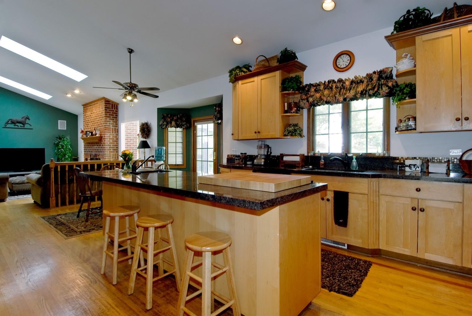 Real Estate Photography - 38W660 Mallard Lake Rd, St Charles, IL, 60175 - Kitchen