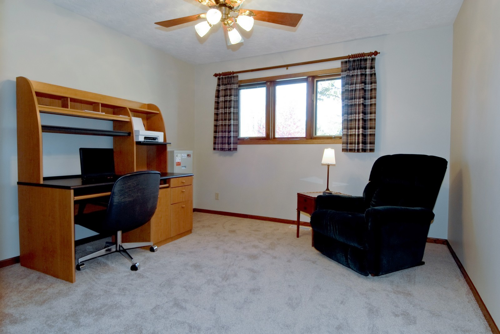 Real Estate Photography - 3104 Pendleton Ct, St Charles, IL, 60175 - 2nd Bedroom