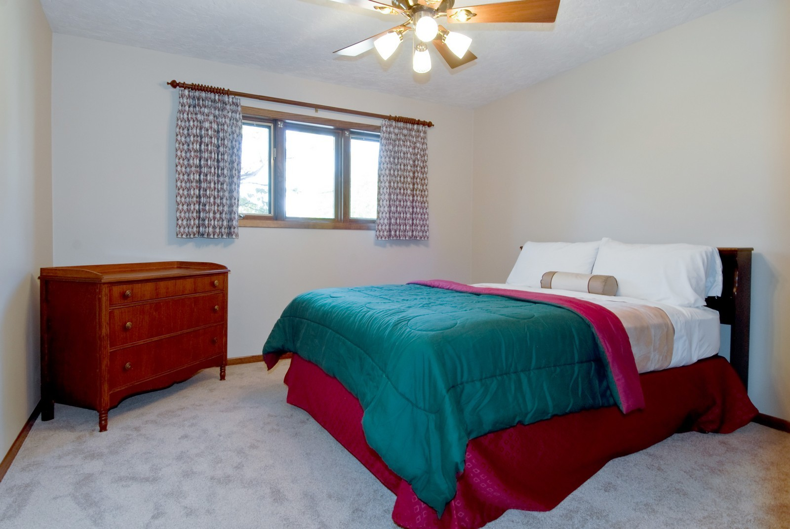 Real Estate Photography - 3104 Pendleton Ct, St Charles, IL, 60175 - 3rd Bedroom