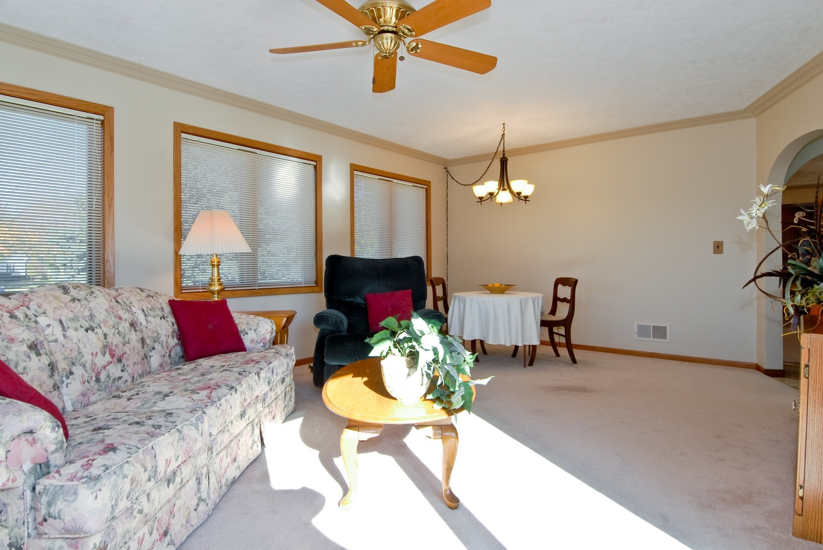 Real Estate Photography - 3104 Pendleton Ct, St Charles, IL, 60175 - Family Room