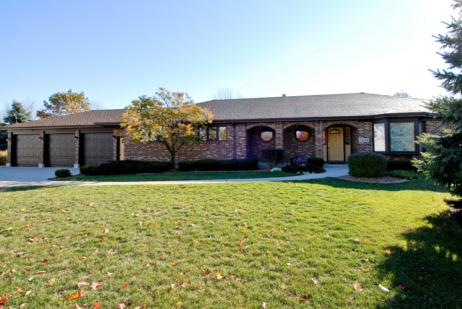 Real Estate Photography - 3104 Pendleton Ct, St Charles, IL, 60175 - Front View