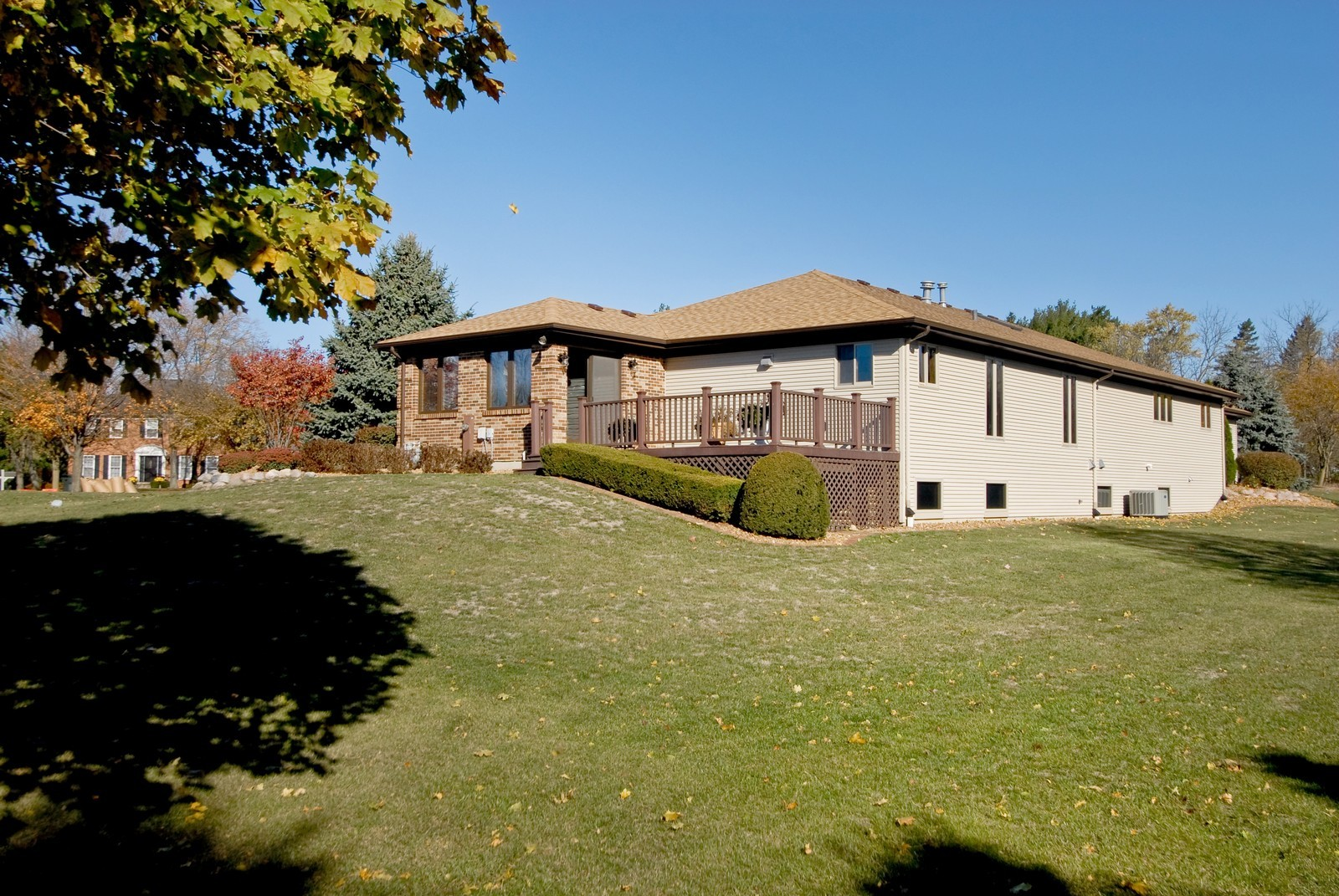 Real Estate Photography - 3104 Pendleton Ct, St Charles, IL, 60175 - Rear View