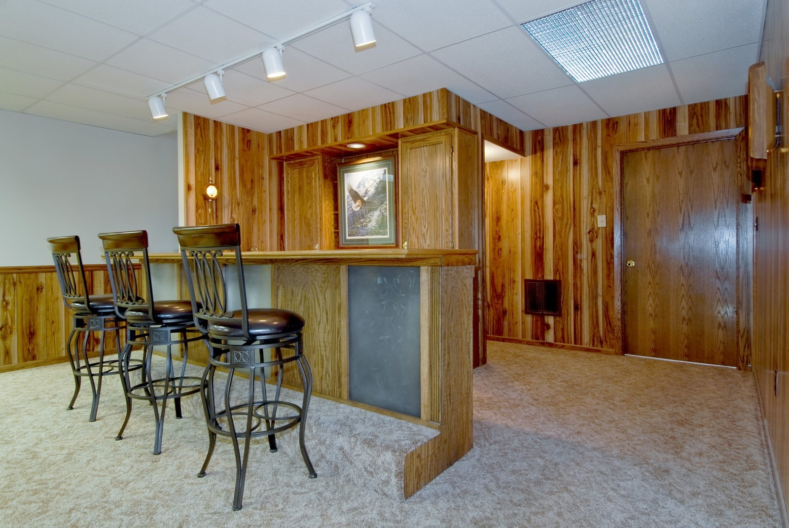 Real Estate Photography - 3104 Pendleton Ct, St Charles, IL, 60175 - Bar