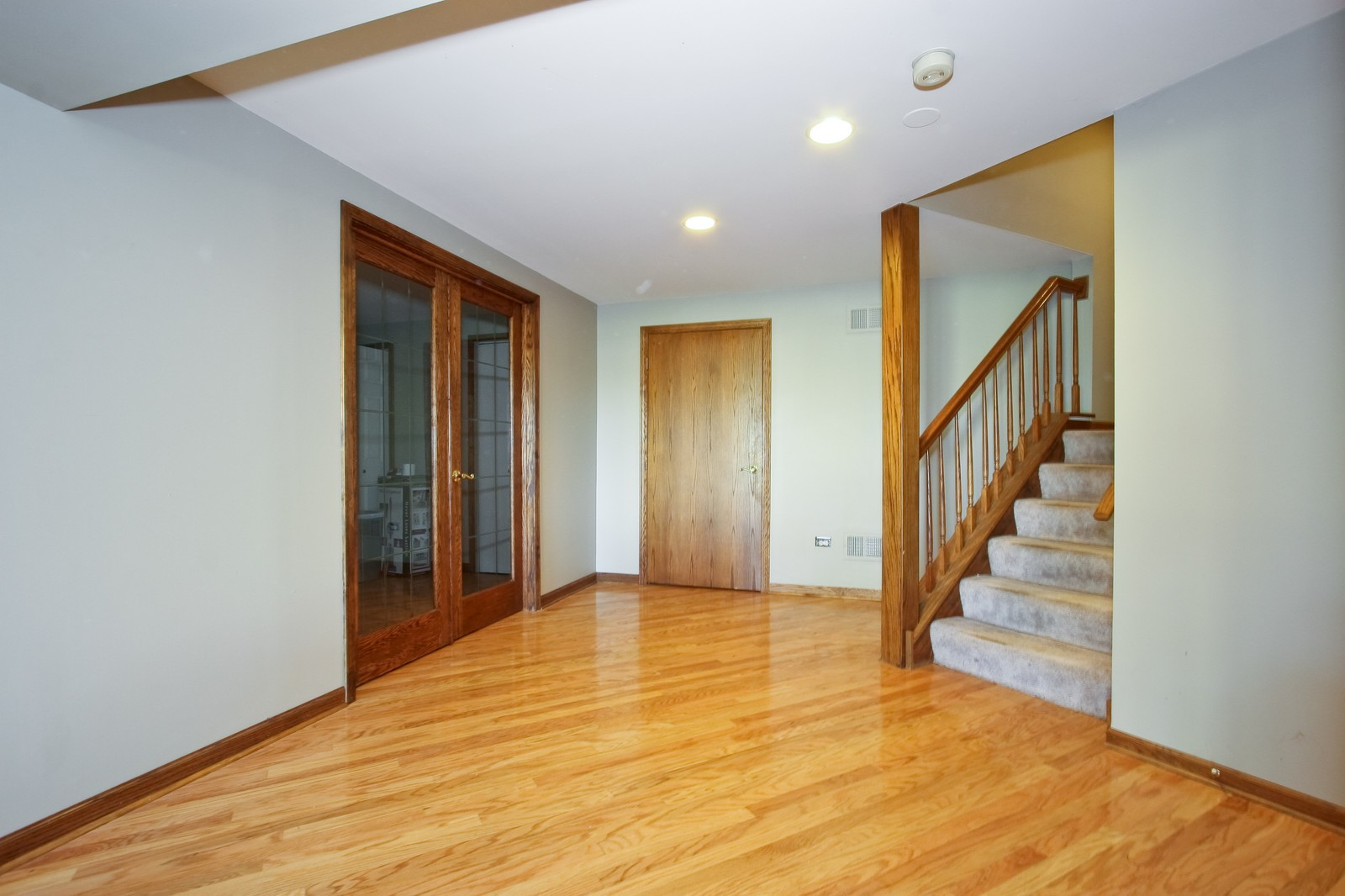 Real Estate Photography - 7 N Bay Rd, Palos Heights, IL, 60463 - Lower Level
