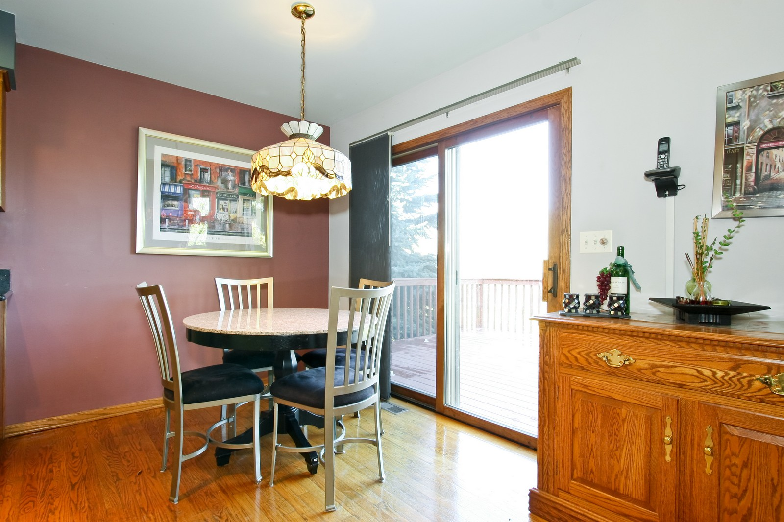 Real Estate Photography - 7 N Bay Rd, Palos Heights, IL, 60463 - Kitchen / Breakfast Room
