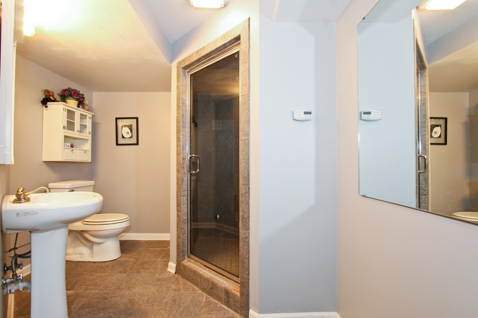 Real Estate Photography - 7 N Bay Rd, Palos Heights, IL, 60463 - 2nd Bathroom