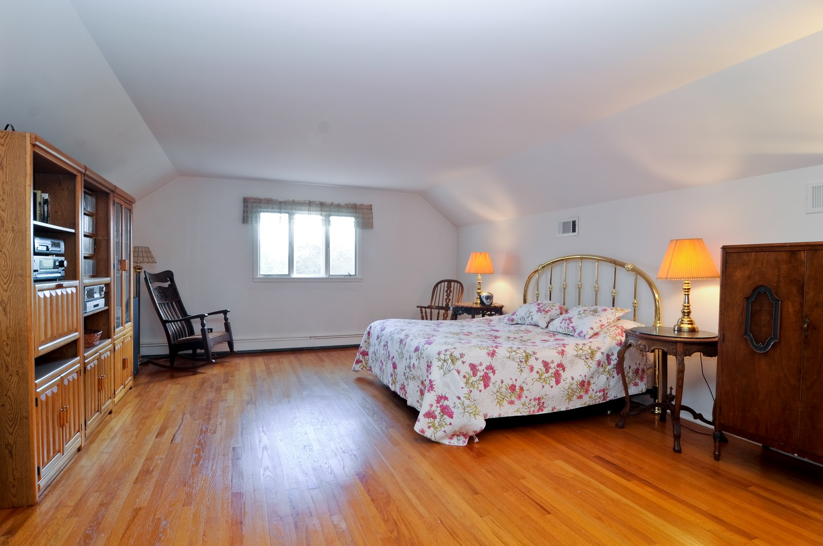 Real Estate Photography - 1070 Valley Lake Dr, Inverness, IL, 60067 - Master Bedroom