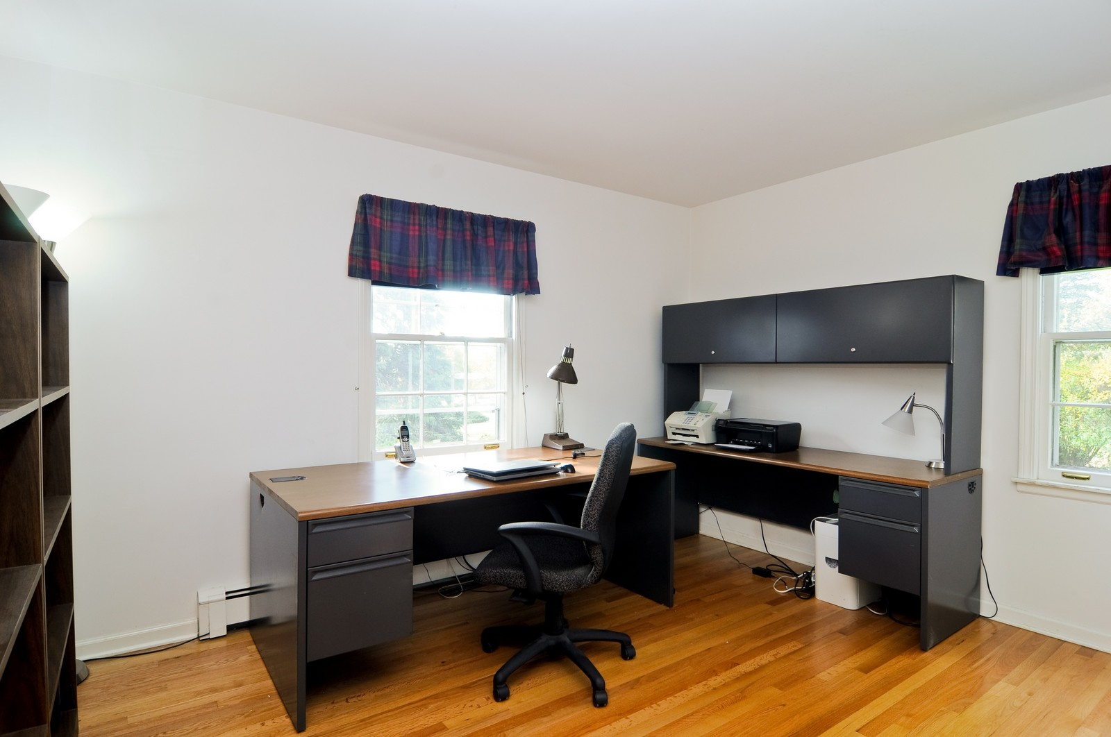 Real Estate Photography - 1070 Valley Lake Dr, Inverness, IL, 60067 - Office
