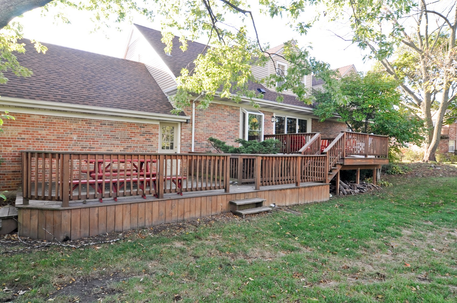 Real Estate Photography - 1070 Valley Lake Dr, Inverness, IL, 60067 - Rear View