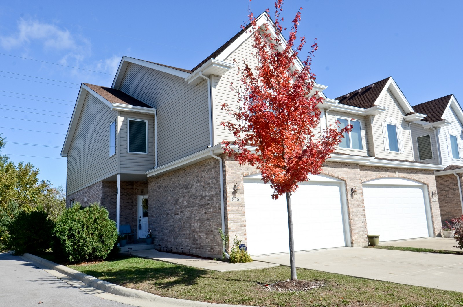 Real Estate Photography - 836 W Jameson Court, Carol Stream, IL, 60188 - Front View