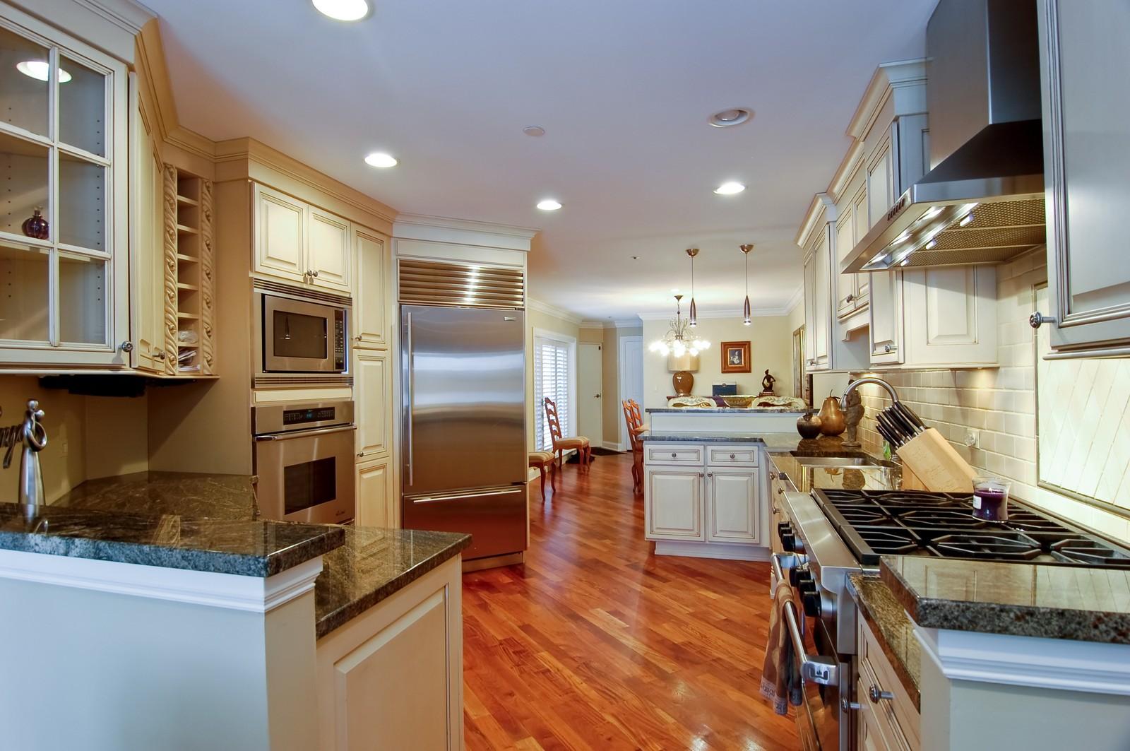 Real Estate Photography - 255 Sandy Point Ln, Lake Zurich, IL, 60047 - Kitchen