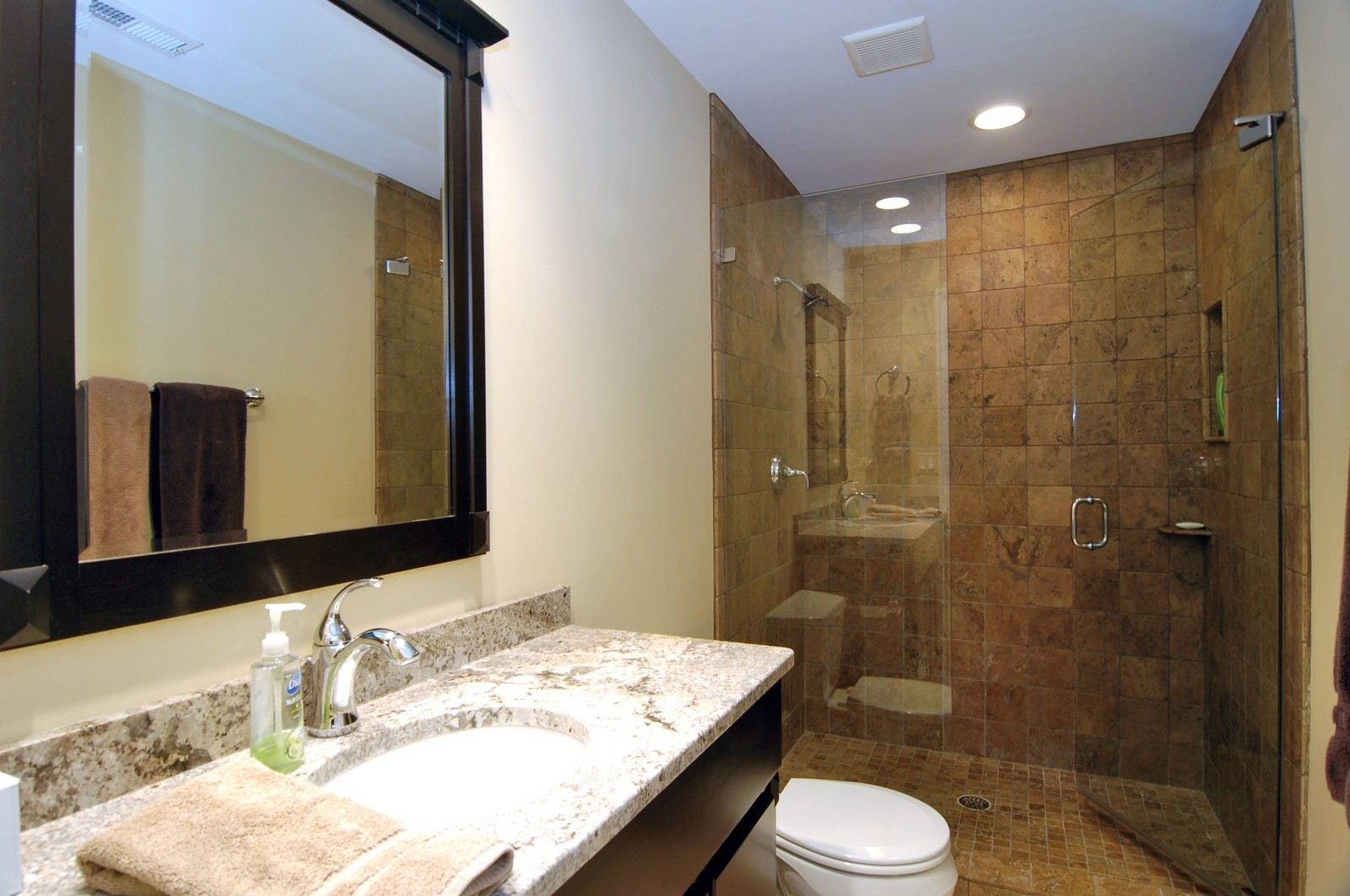 Real Estate Photography - 255 Sandy Point Ln, Lake Zurich, IL, 60047 - Bathroom