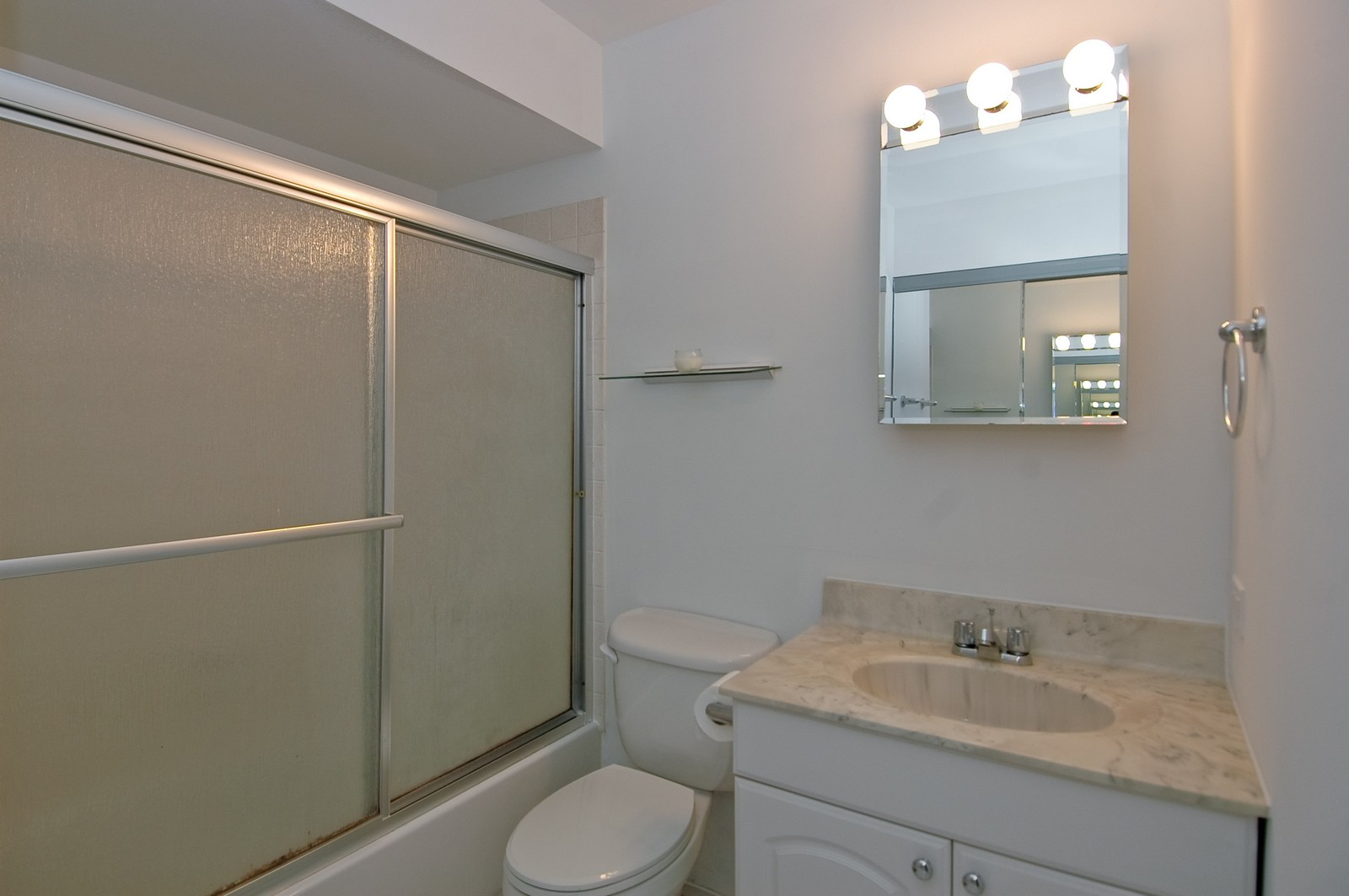 Real Estate Photography - 985 Golf Course Rd, Unit 2, Crystal Lake, IL, 60014 - Bathroom