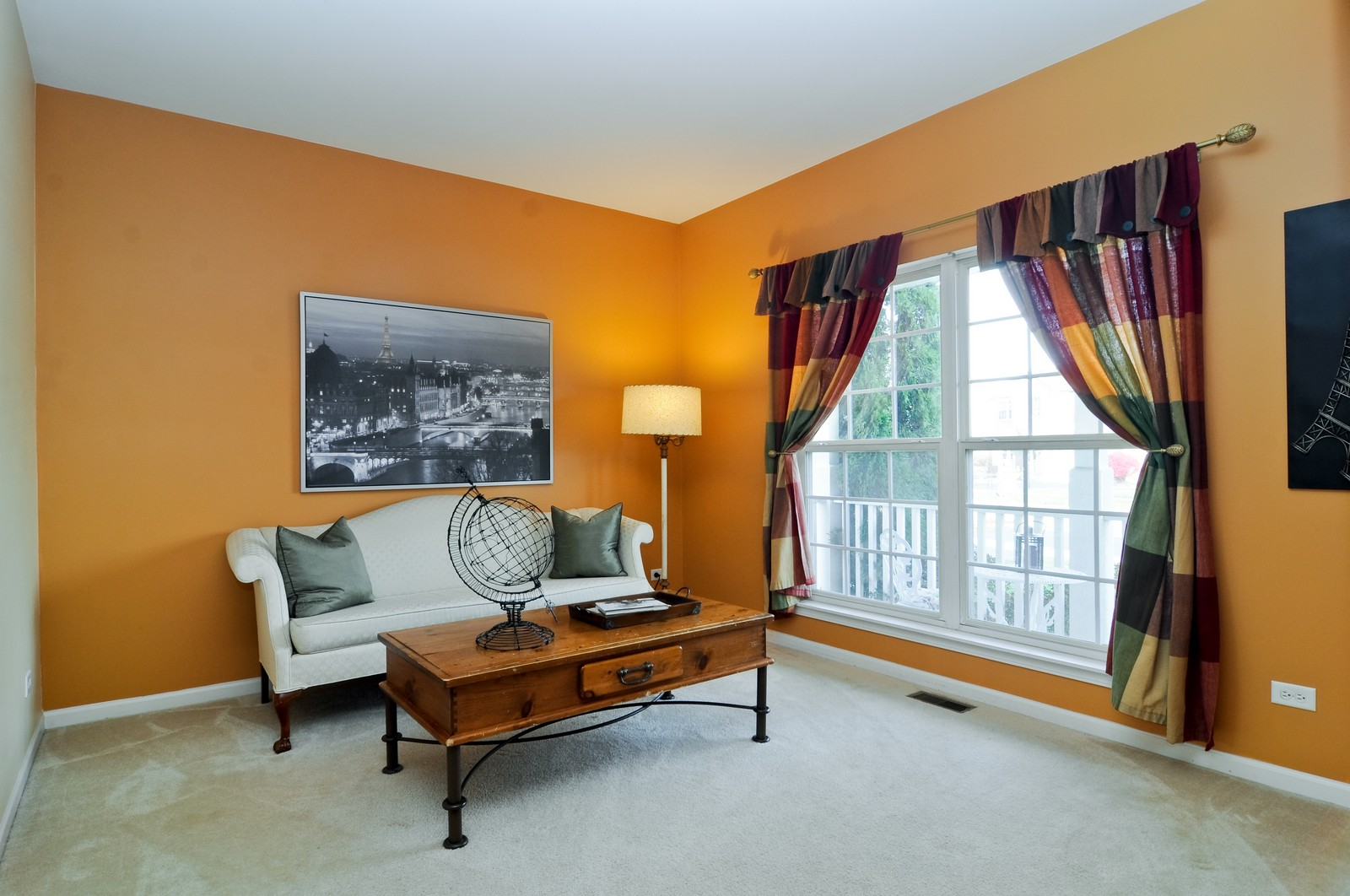 Real Estate Photography - 3461 Chadwick Lane, Lake in the Hills, IL, 60156 - Living Room