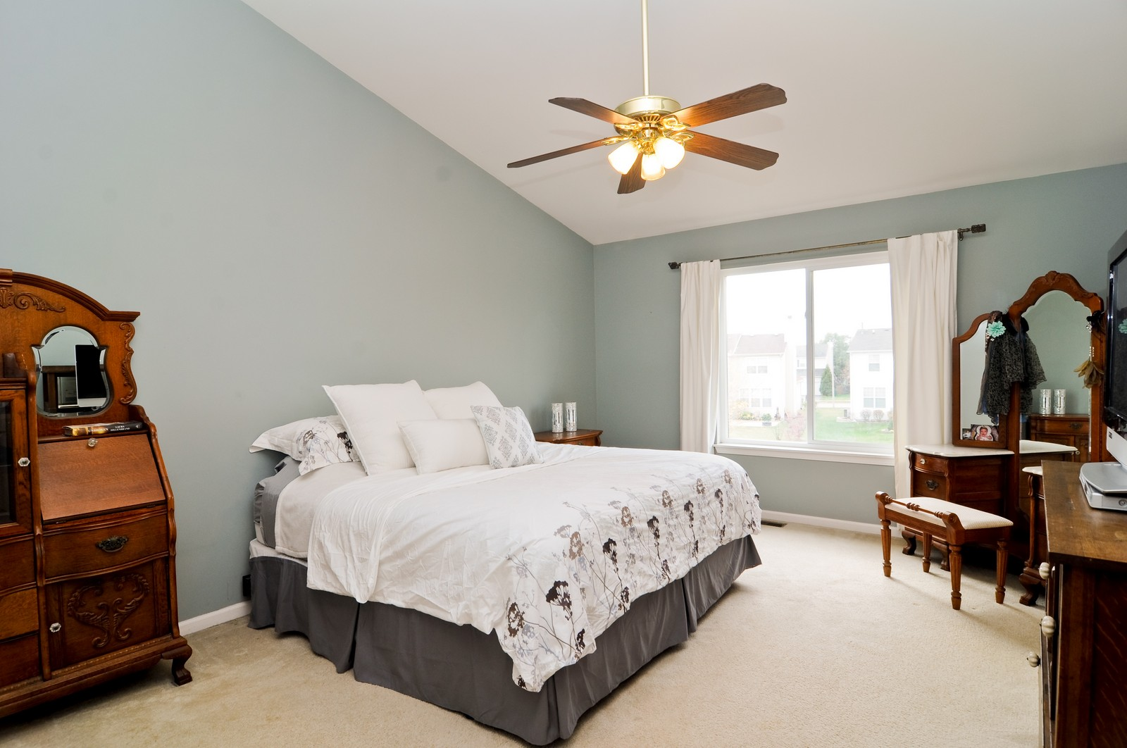 Real Estate Photography - 3461 Chadwick Lane, Lake in the Hills, IL, 60156 - Master Bedroom
