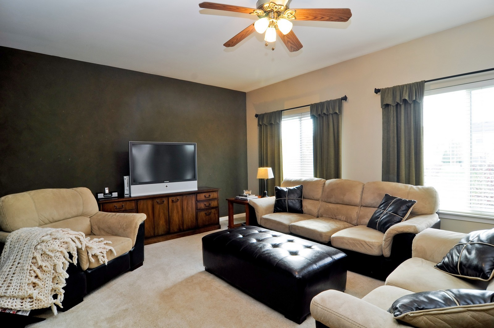 Real Estate Photography - 3461 Chadwick Lane, Lake in the Hills, IL, 60156 - Family Room