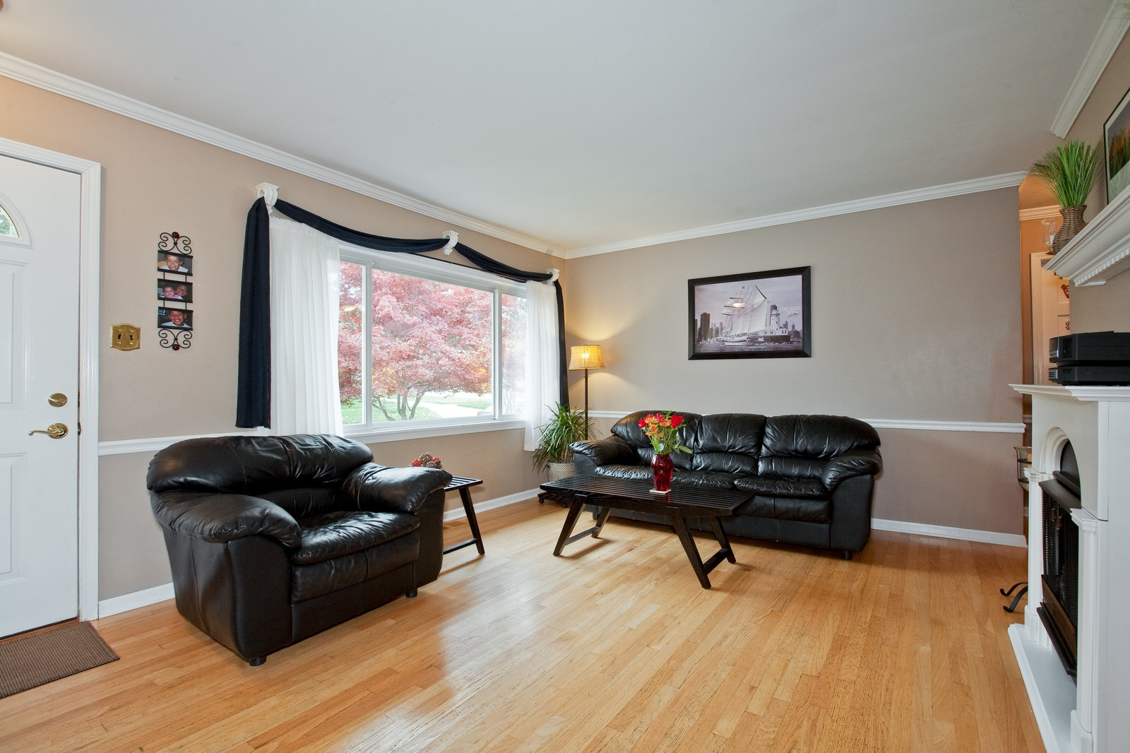 Real Estate Photography - 501 Grant St, Downers Grove, IL, 60515 - Living Room