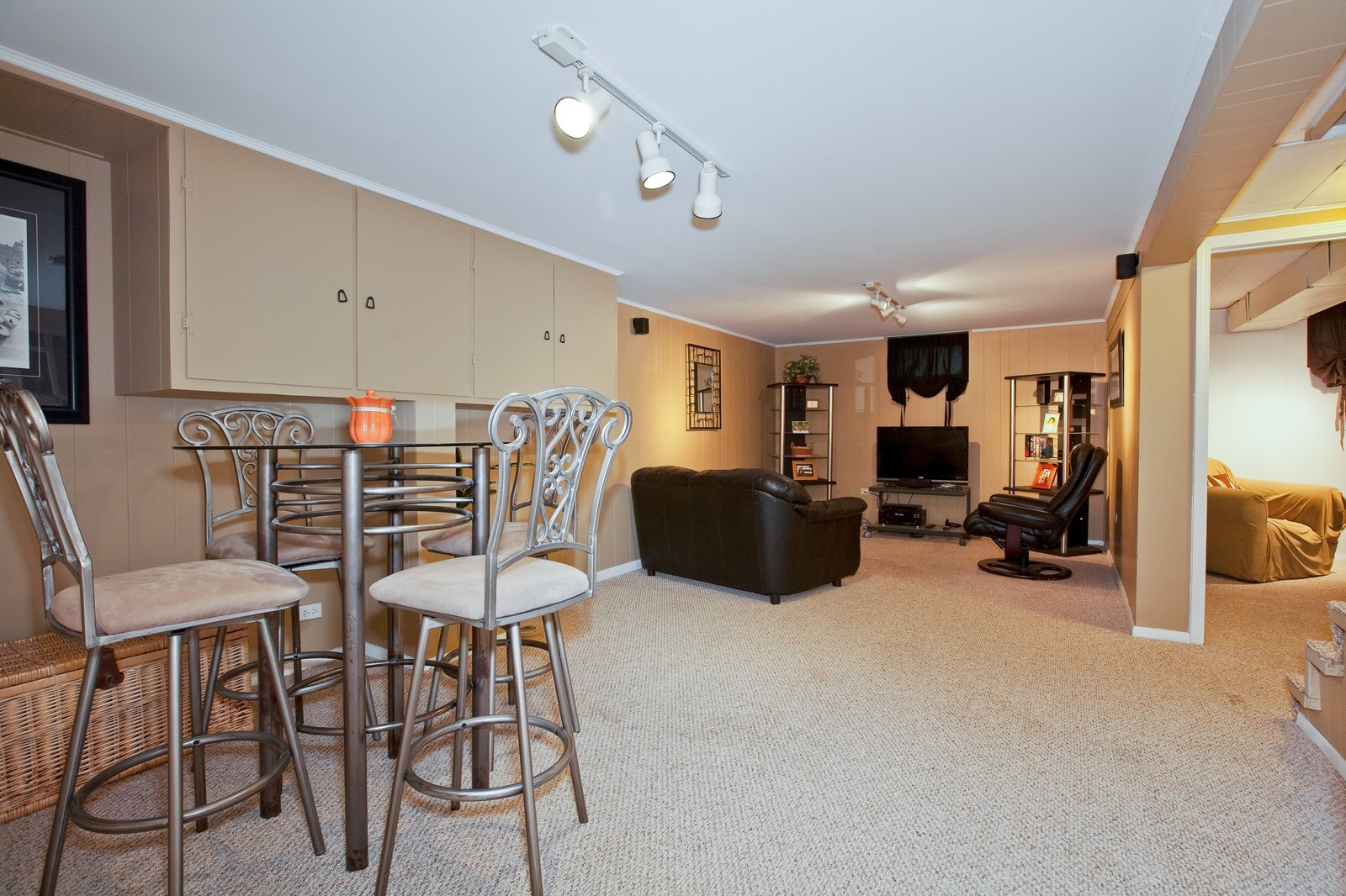 Real Estate Photography - 501 Grant St, Downers Grove, IL, 60515 - Recreational Room
