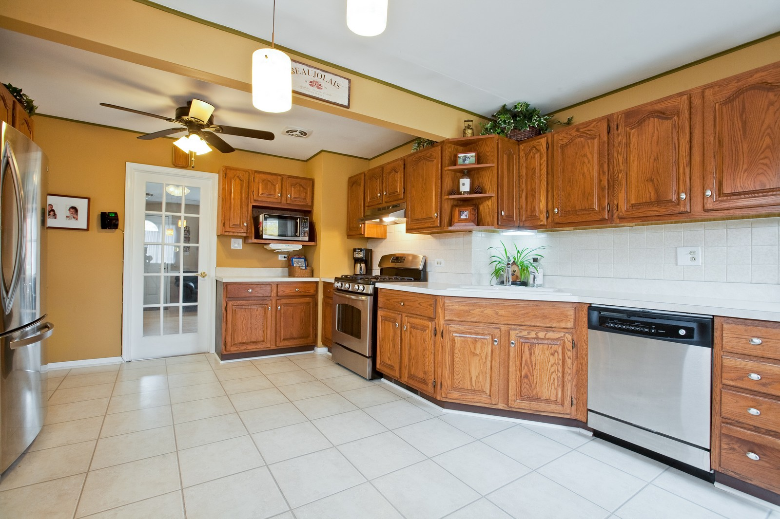 Real Estate Photography - 501 Grant St, Downers Grove, IL, 60515 - Kitchen