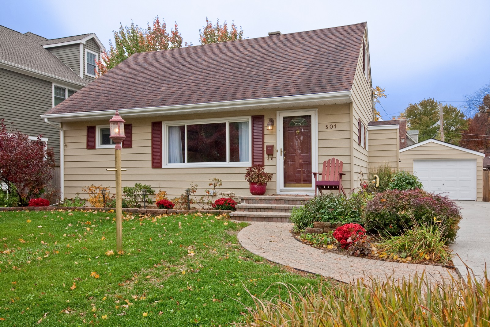Real Estate Photography - 501 Grant St, Downers Grove, IL, 60515 - Front View