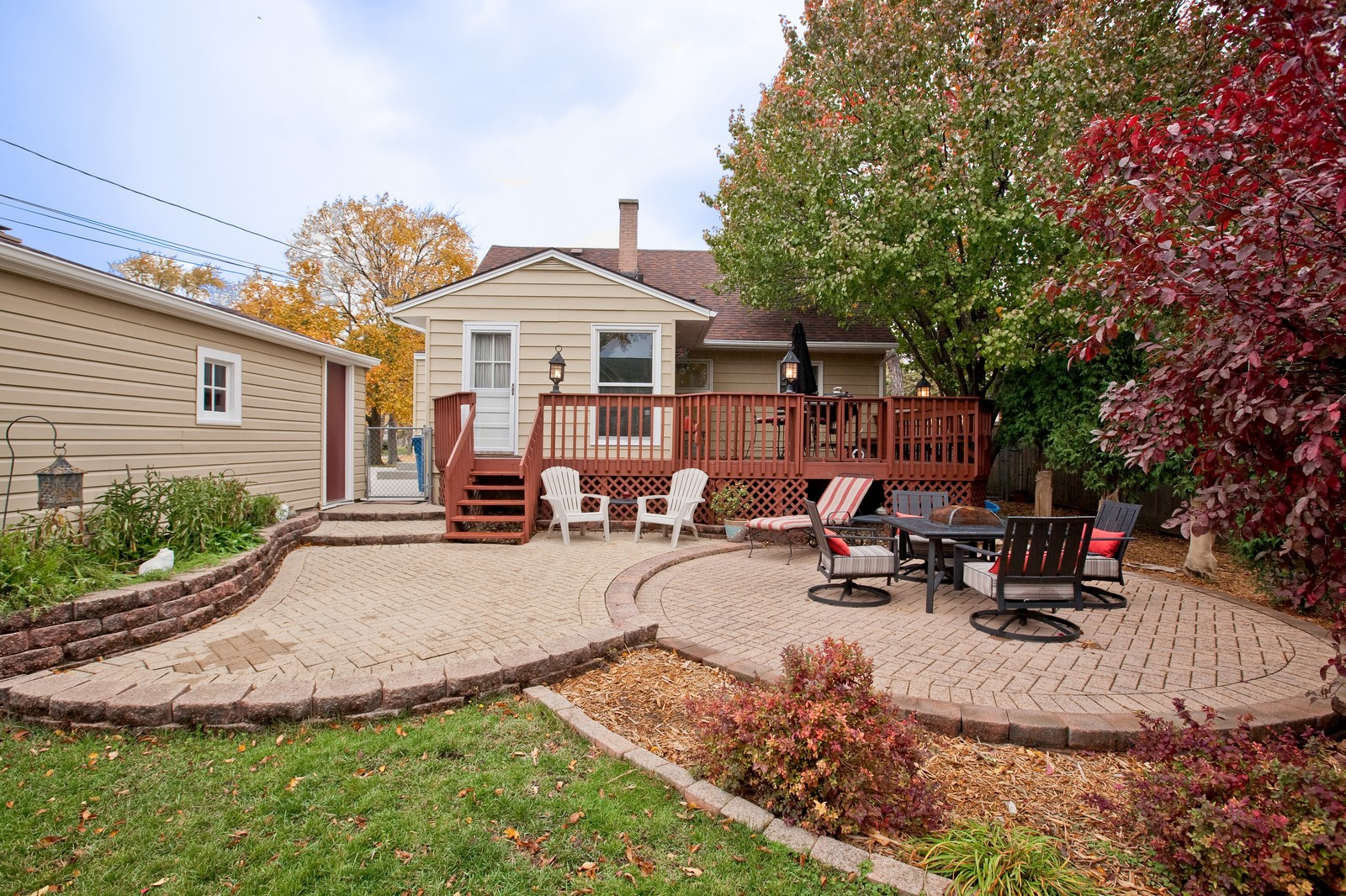 Real Estate Photography - 501 Grant St, Downers Grove, IL, 60515 - Patio