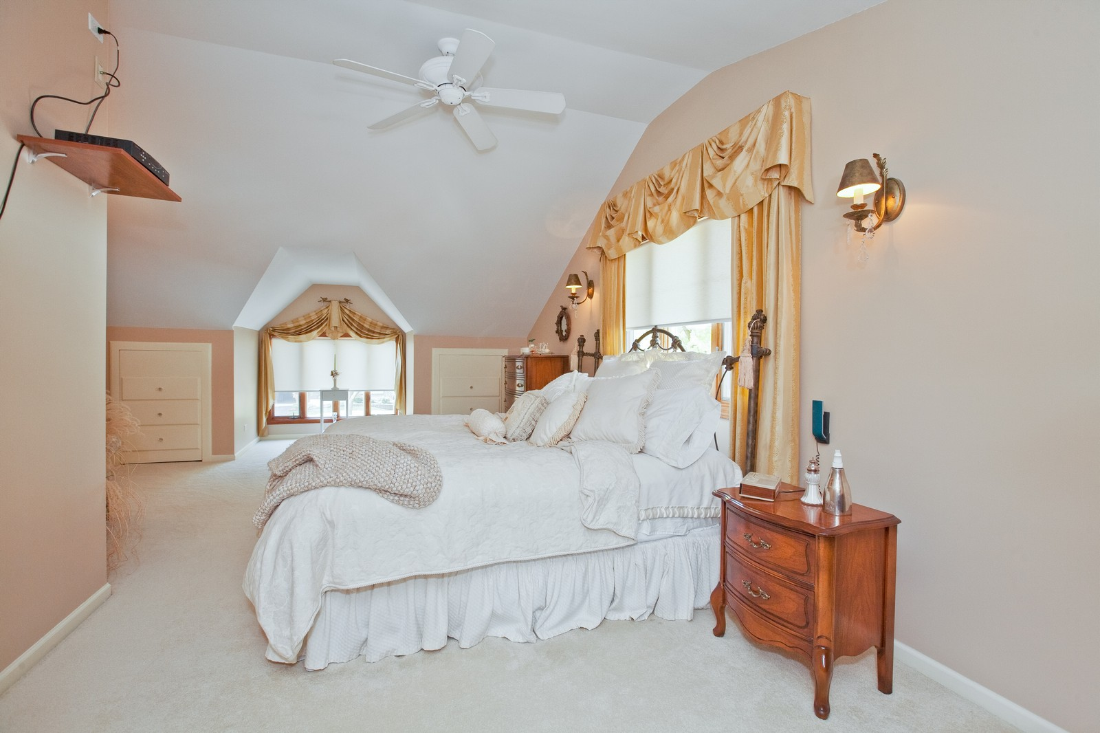 Real Estate Photography - 5743 Hillcrest Rd, Downers Grove, IL, 60516 - Master Bedroom