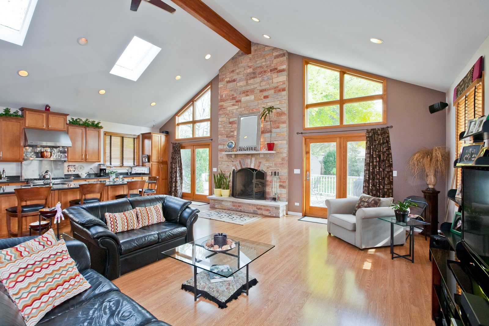 Real Estate Photography - 5743 Hillcrest Rd, Downers Grove, IL, 60516 - Family Room