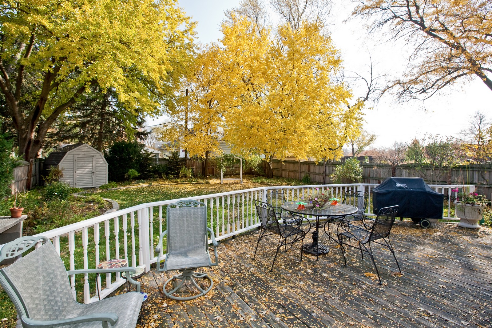 Real Estate Photography - 5743 Hillcrest Rd, Downers Grove, IL, 60516 - Deck