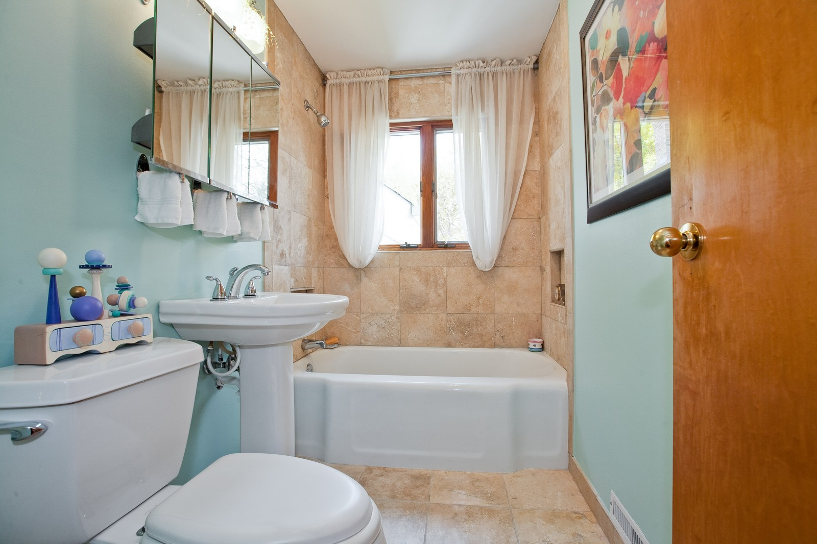 Real Estate Photography - 5743 Hillcrest Rd, Downers Grove, IL, 60516 - Bathroom