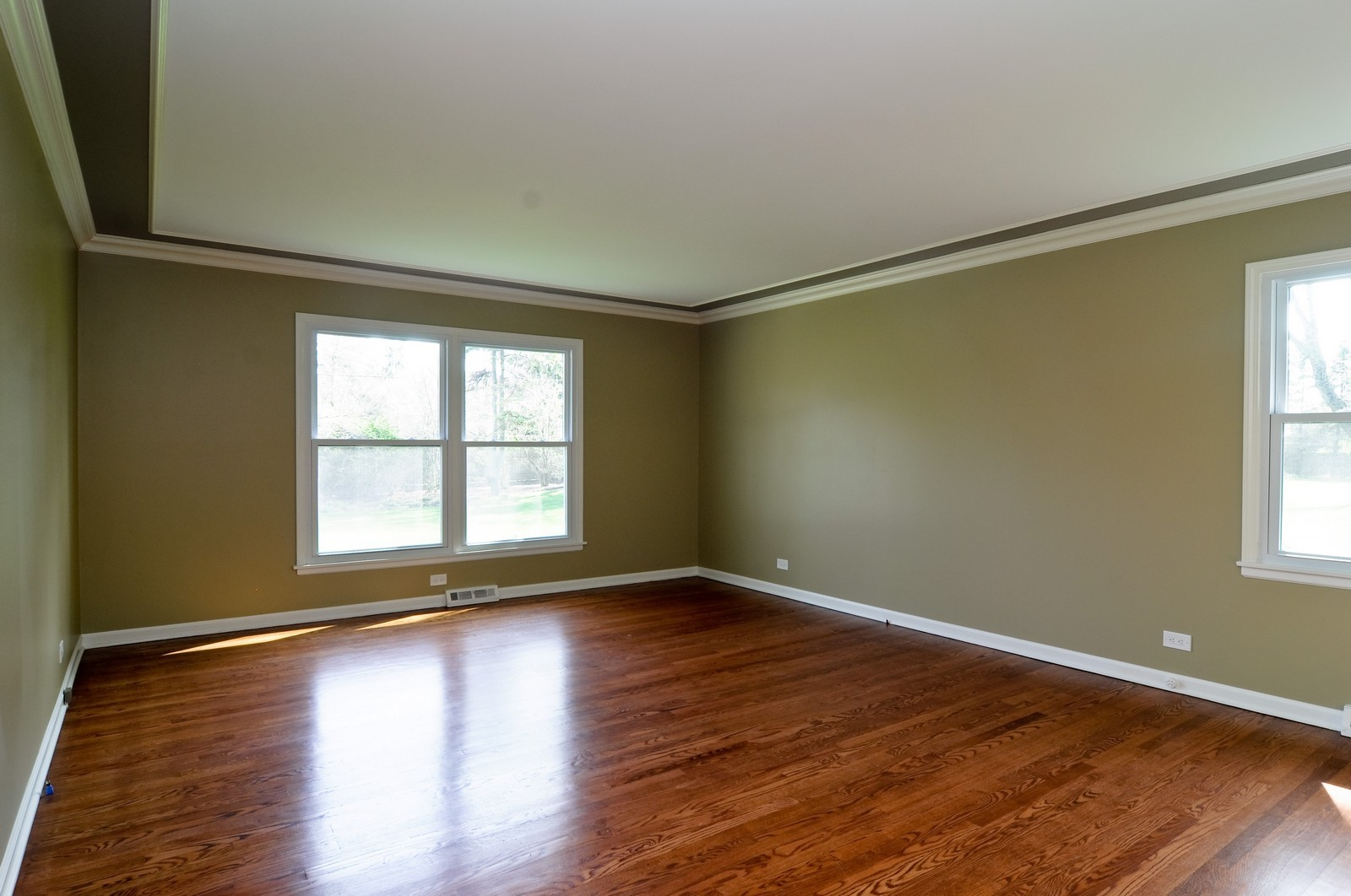 Real Estate Photography - 114 Fox Hunt Trail, Barrington, IL, 60010 - Master Bedroom