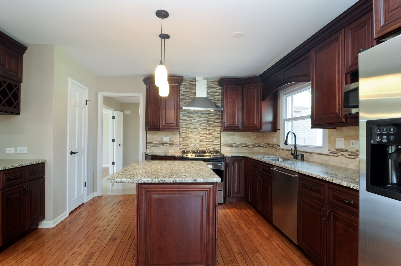 Real Estate Photography - 114 Fox Hunt Trail, Barrington, IL, 60010 - Kitchen